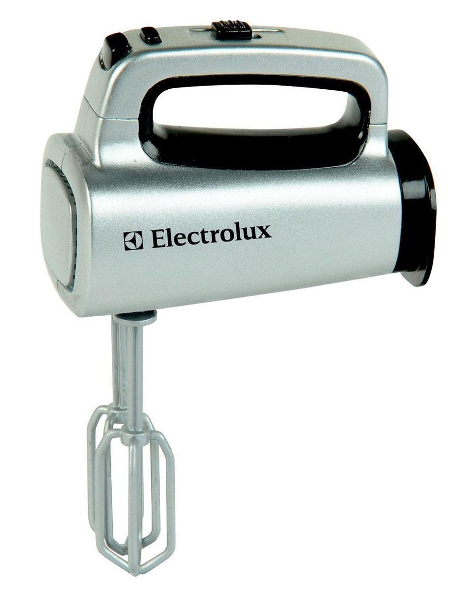 Klein Игровой набор Electrolux Миксер9219Игрушечная копия ручного миксера ELECTROLUX. Игрушка имитирует функции настоящего миксера. Насадки снимаются и вращаются.