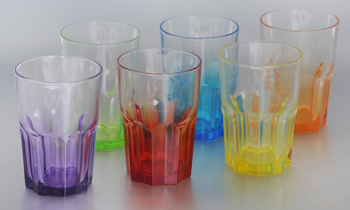 Набор стаканов Luminarc Crazy Colors, 400 мл, 6 штH8221Набор Luminarc Crazy Colors состоит из 6 граненых стаканов, выполненных из упрочненного стекла с разноцветным дном. Стаканы устойчивы к повреждениям, истиранию, в процессе эксплуатации не впитывают запахи и долгое время сохраняют первоначальные краски. Такие стаканы прекрасно подойдут для воды, сока, лимонада и других напитков. Стильный яркий дизайн сделает набор украшением вашего стола. Можно мыть в посудомоечной машине. Диаметр стакана (по верхнему краю): 8,5 см. Высота стакана: 12 см.