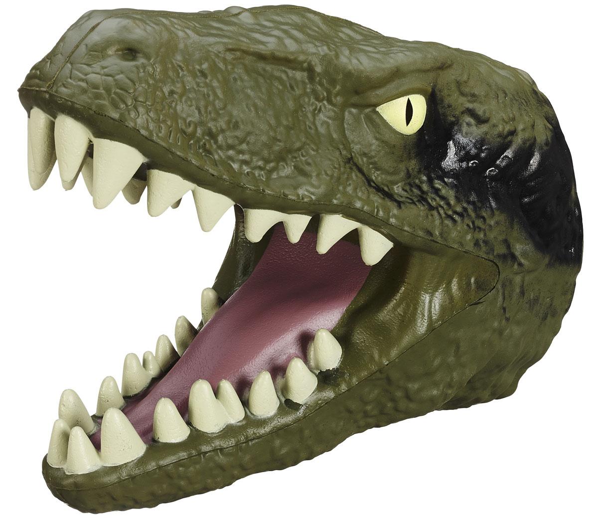 Jurassic World Игрушка на руку VelociraptorB1509 B1510Игрушка на руку Jurassic World Velociraptor непременно привлечет внимание вашего ребенка. Голова велоцираптора - это уникальная игрушка, которая гарантированно станет одной из самых любимых не только для детей, но и для взрослых. Она надевается на руку, благодаря чему можно отлично развлечься, напугав своего друга свирепым оскалом хищного динозавра. Изготавливается исключительно из качественных и гипоаллергенных материалов, не раздражающих кожу. Что может быть лучше в качестве подарка для ребенка или поклонника культового фильма Парк Юрского периода? Ваш ребенок часами будет играть с ней, придумывая различные истории. Порадуйте его таким замечательным подарком!