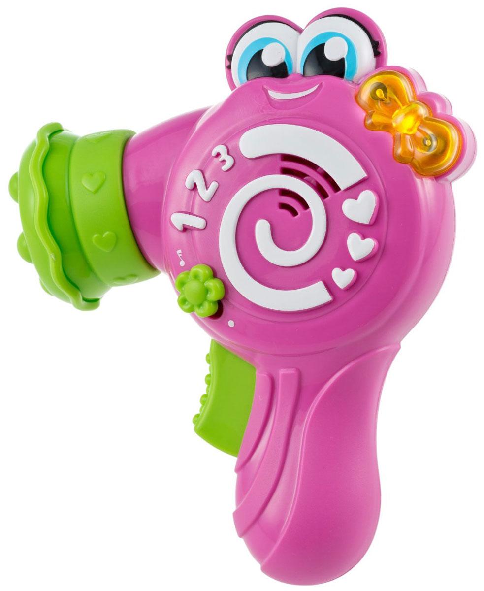 Baby Clementoni Развивающая игрушка Фен Келли60415Развивающая игрушка Фен Келли - это забавная игрушка для девочки возрастом от 10 до 36 месяцев. На боку Келли нарисованы цифры, малышка сможет запомнить, как они выглядят, а потом прослушать названия цифр. А еще Келли знает много милых песенок, которые можно петь вместе. И, конечно же, как самый настоящий фен, Келли умеет выдувать воздух, при этом слышны смешные звуки. Диффузор поворачивается, издавая при этом звук трещотки. Звуковые эффекты сопровождаются световыми. Фен Келли способствует развитию мелкой моторики рук, цветовосприятию и звуковосприятию, а также учит первым цифрам. Порадуйте свою малышку таким замечательным подарком! Рекомендуется докупить 3 батареи напряжением 1,5V типа АА (товар комплектуется демонстрационными).