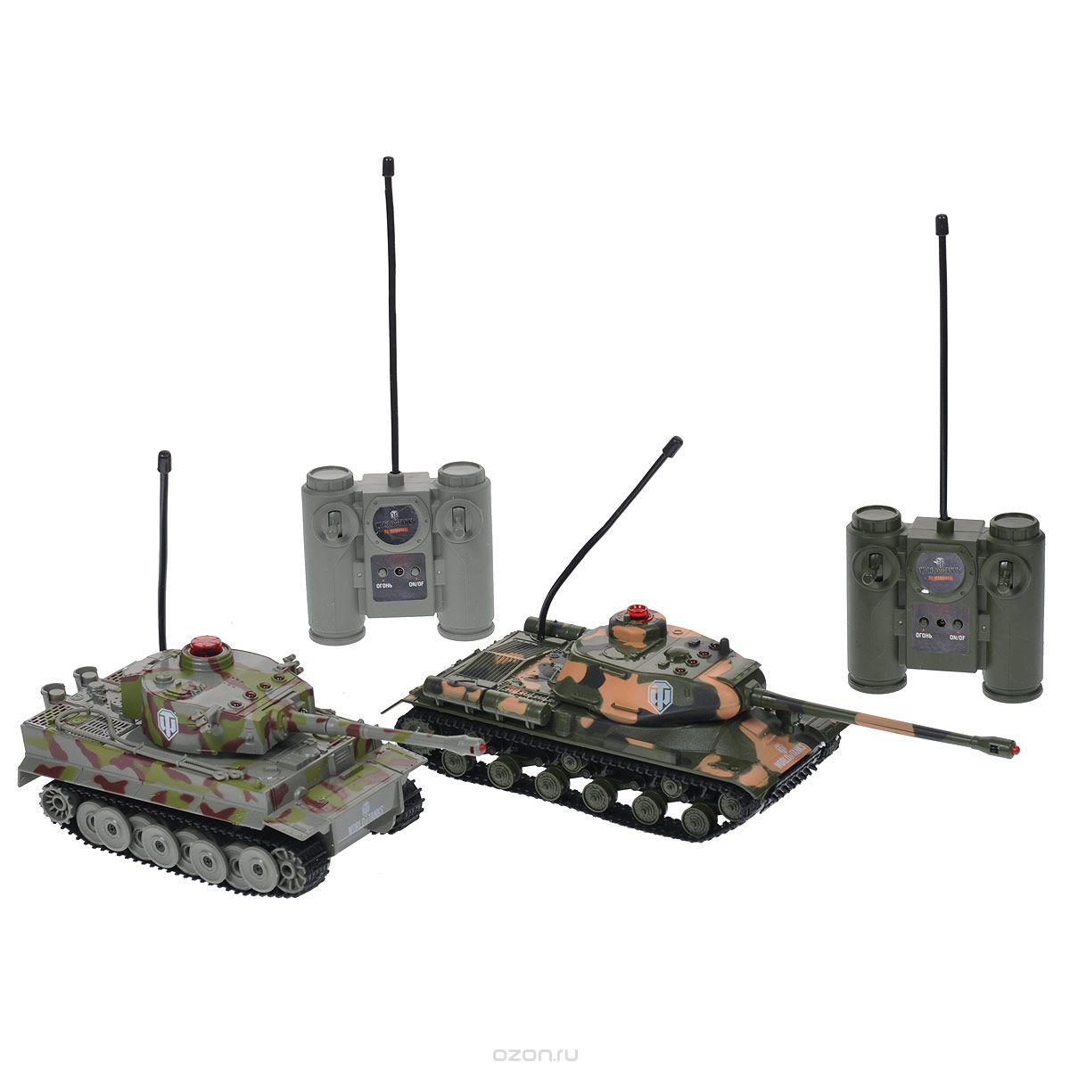 Dream Makers Набор танков на радиоуправлении WargamingRD128AНабор радиоуправляемых моделей Dream Makers Wargaming - отличный подарок не только ребенку, но и взрослому. Набор состоит из двух самых знаковых тяжелых танков эпохи Второй Мировой Войны: это немецкий танк Тигр и советский ИС, выполненные из прочного безопасного пластика в масштабе 1/32. Управление обоими танками (каждой гусеницей отдельно и поворотом башни) осуществляется посредством радиосигнала. Радиус действия составляет 10 метров. Танки оборудованы ИК-пушками и фотоприемниками, позволяющими организовывать танковые сражения. Радиус действия ИК сигнала 3 метра. Танки работают на разных частотах (27,145 и 40,685 МГц). На башне каждого танка находится четыре диода, отображающих текущий уровень жизни танка, а так же фотоприемник. На конце дула находится диод, который загорается и посылает пучок света при выстреле. Направьте дуло одного танка на фотоприемник танка противника и выстрелите из пушки или пулемета. В случае попадания в танк противника, фотоприемник...