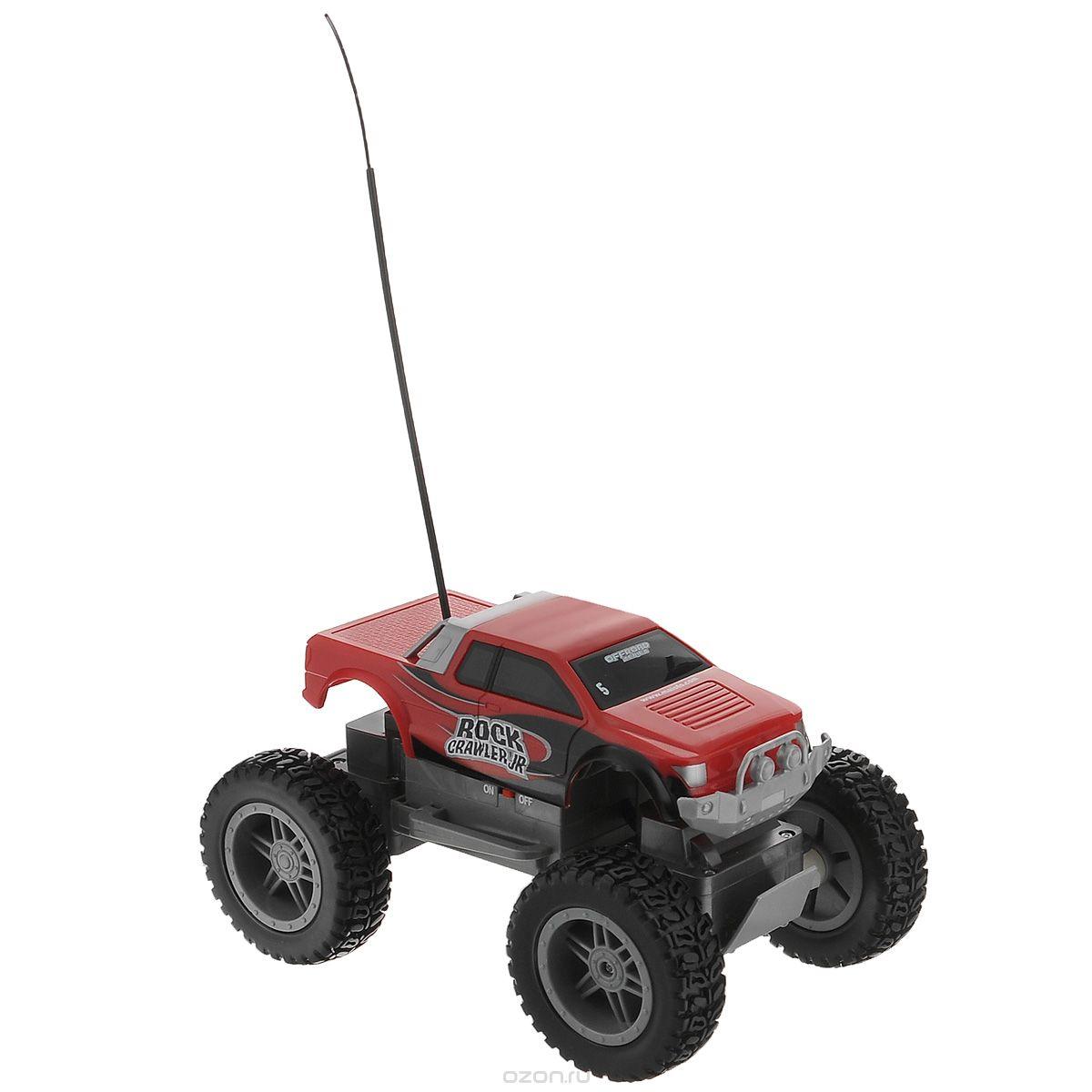 Maisto Машина на радиоуправлении Rock Crawler 4х4 цвет красный81162_красный 2161Радиоуправляемая модель Maisto Вездеход Rock Crawler 4х4 с ярким привлекающим внимание дизайном обязательно понравится всем любителям машин, в особенности внедорожников. Машинка имеет повышенную проходимость за счет полного привода 4х4, прекрасно передвигается по бездорожью и легко может покорить скалу. Джип имеет мягкую пружинную независимую подвеску с длинным ходом и большие колеса. Машинка двигается вправо, влево, вперед и назад. Управление с помощью дистанционного пульта (поставляется в комплекте). Радиус действия пульта до 15 м. В комплекте инструкция по эксплуатации на русском языке. Необходимо докупить 6 батареек 1,5V типа АА (в комплект не входят).