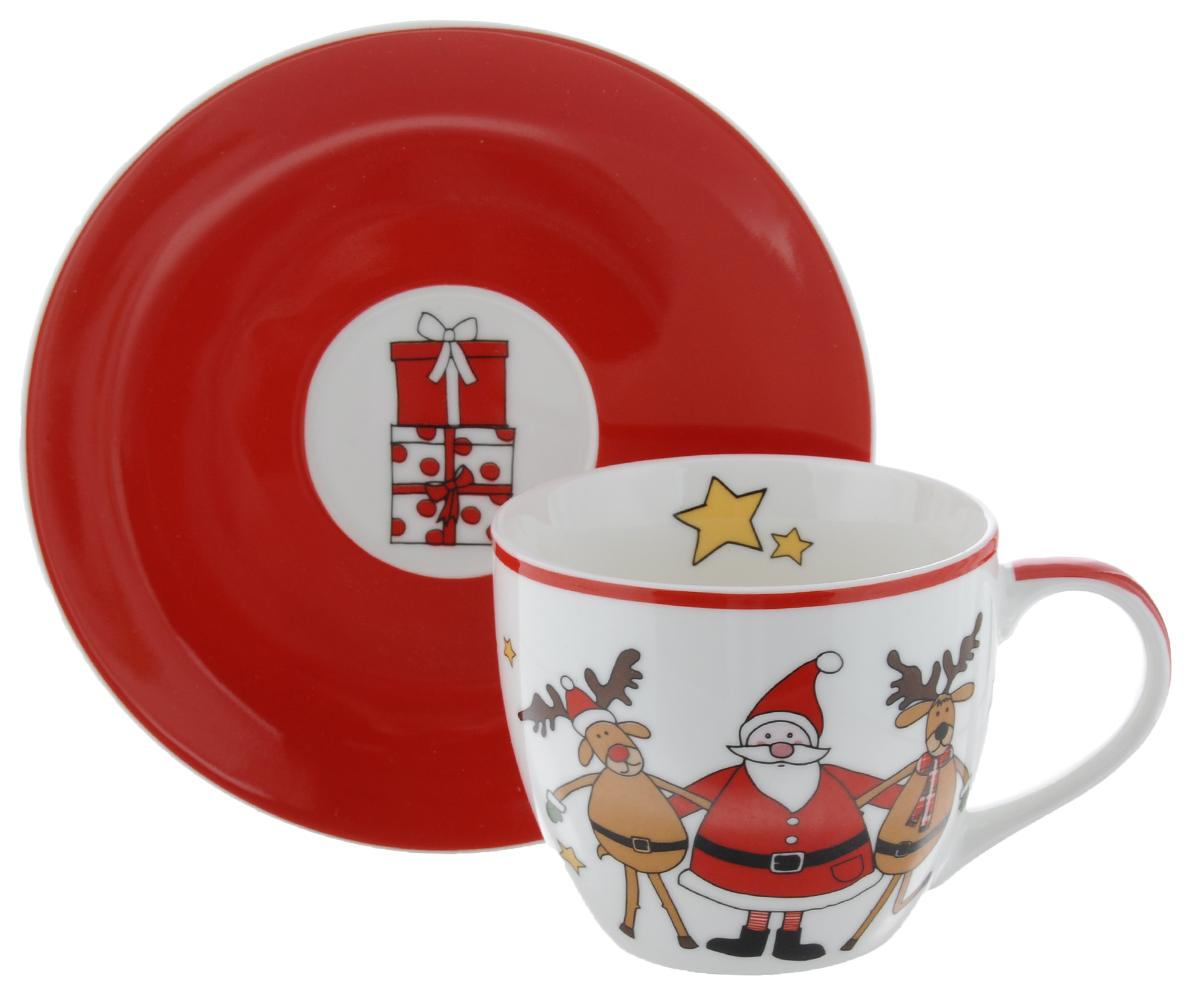 Чайная пара Nuova R2S Дед Мороз с друзьями, цвет: красный, белый, 2 предметаR2S-R1036/SAFR-ALЧайная пара Nuova R2S Дед Мороз с друзьями изготовлена из высококачественного фарфора. Изделие оформлено ярким изображением Деда Мороза с веселыми оленями. Такой набор - отличный вариант новогоднего подарка для ваших близких и друзей. Можно использовать в микроволновой печи и мыть в посудомоечной машине. Диаметр чашки (по верхнему краю): 8,5 см. Высота кружки: 7 см. Объем кружки: 200 мл. Диаметр блюдца: 15 см. Высота блюдца: 2 см.