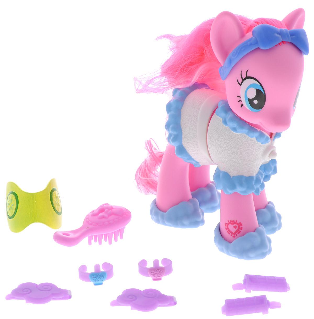 My Little Pony Игровой набор Пони-модница Pinkie PieB0360_B3018Игровой набор My Little Pony Пони-модница. Pinkie Pie привлечет внимание вашей малышки и не позволит ей скучать. Он включает фигурку пони Pinkie Pie, расческу, заколки для волос, бигуди и украшения. Игрушка выполнена из пластика и представляет собой очаровательную пони с большими выразительными глазками и длинной розовой гривой и хвостом. Пони собирается отдыхать, она одета в белый домашний костюмчик, на голове у нее - модный ободок, а на ногах - симпатичные тапочки. Ваша малышка сможет сделать пони красивую прическу с помощью расчески и заколок. Головка игрушки поворачивается. Ваша малышка будет часами играть с набором, придумывая различные истории. Порадуйте ее таким замечательным подарком!
