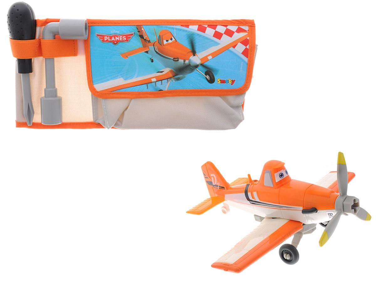 Planes Игровой набор Tool Belt500273Игровой набор Planes Tool Belt наверняка понравится маленьким любителям популярного мультфильма Самолеты. В набор входит текстильная сумочка для инструментов с ярким принтом, изображающим знаменитый самолетик Дасти, отвертка и ключ, с помощью которых юный авиамеханик сможет устранить любую неисправность, а также фигурка самолетика Дасти с шасси, присоединяющимся с помощью болта. Сумочка снабжена ремнем, закрывающимся на карабин с логотипом мультфильма Самолеты. Фигурка и инструменты выполнены из прочного безопасного пластика. Ваш ребенок будет часами играть с набором, придумывая разнообразные увлекательные истории. Порадуйте его таким замечательным подарком!