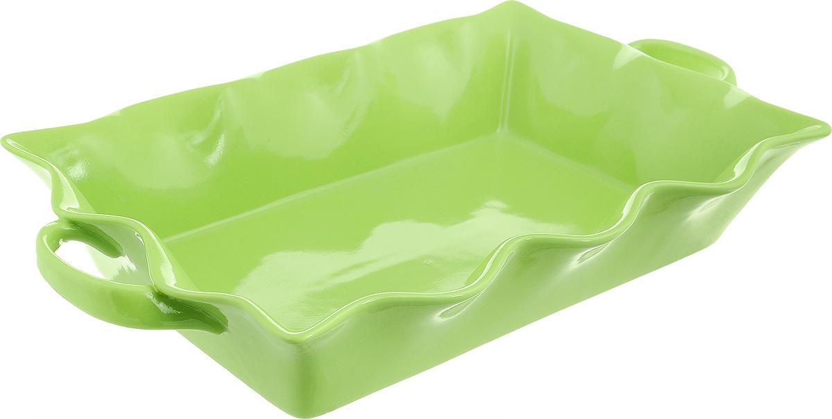 Форма для выпечки Frybest Provance, прямоугольная, цвет: зеленый, 45 х 26 х 8 смPROV-45P ProvanceПрямоугольная форма для выпечки Frybest Provance изготовлена из экологически чистой глазурованной керамики, не выделяет вредных химических веществ во время готовки. Форма равномерно нагревается и долго сохраняет тепло, за счет чего блюда получаются изумительно нежными и сочными и сохраняют все витамины и микроэлементы. 180°С - оптимальная температура для медленного томления. Форма имеет волнистые края, высокие стенки и две удобные ручки. Идеально подходит для семейных ужинов и праздников, эта форма станет хорошим украшением стола - готовое блюдо не нужно перекладывать в другую посуду. Форма подходит для приготовления блюд в духовке (до 180°С) и микроволновой печи, можно мыть в посудомоечной машине. Внутренний размер формы: 40 х 26 см. Размер формы (с учетом ручек): 45 х 26 см. Высота стенки: 8 см.