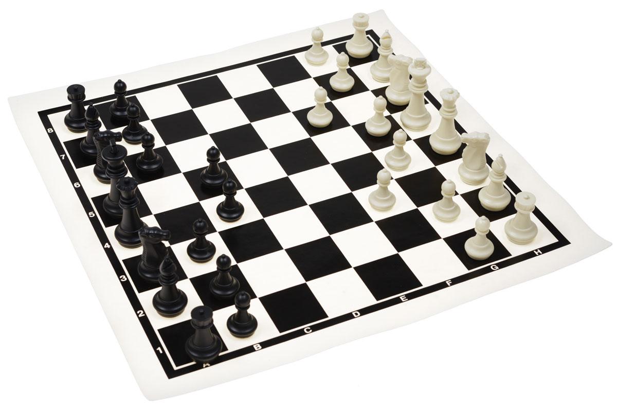 Шахматы в чехле UBON, размер: 45х45 см. 45014501Настольная игра Шахматы - это занимательная и очень увлекательная игра. В комплекте имеется 16 белых и 16 черных фигур, выполненных из пластика. Поле для игры мягкое, на тканевой основе. Фигуры и поле хранятся в специальном тубусе и тканевом чехле. Чехол имеет текстильный ремень, который регулируется по длине. Шахматы - настольная логическая игра, которая соединяет в себе элементы и искусства, и науки, и спорта. Название берет начало из персидского языка шах и мат, что означает шах умер. Считается, что история шахмат насчитывает не менее полутора тысяч лет. Впервые наиболее близкая по смыслу игра появилась в Индии в 6 веке нашей эры, затем, претерпев некоторые изменения в правилах, начала распространяться в близлежащих странах. Модификации игры продолжались, пока в 19 веке не сформировались окончательные правила, необходимые для проведения международных турниров. Шахматы помогут развить логическое мышление и позволят вам интересно и с пользой провести время. Кроме...