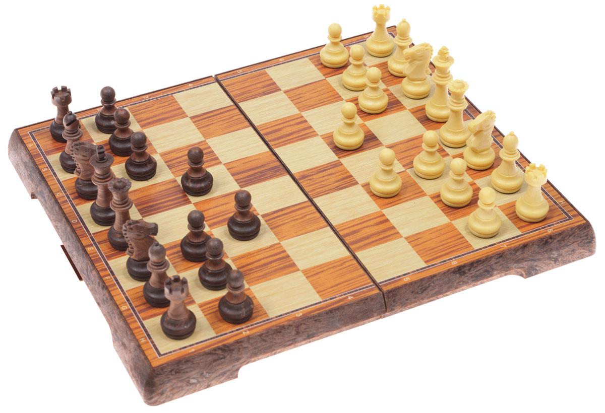 Шахматы магнитные UBON, размер: 31х18х4,5 см. 3520L3520LНастольная игра Шахматы магнитные - это занимательная и очень увлекательная игра. В комплекте имеется 16 бежевых и 16 коричневых магнитных фигур, выполненных из пластика. Фигуры хранятся в пластиковой шкатулке, внешняя сторона которой - игровое поле. Шкатулка надежно закрывается на защелку. Шахматы - настольная логическая игра, которая соединяет в себе элементы и искусства, и науки, и спорта. Название берет начало из персидского языка шах и мат, что означает шах умер. Считается, что история шахмат насчитывает не менее полутора тысяч лет. Впервые наиболее близкая по смыслу игра появилась в Индии в 6 веке нашей эры, затем, претерпев некоторые изменения в правилах, начала распространяться в близлежащих странах. Модификации игры продолжались, пока в 19 веке не сформировались окончательные правила, необходимые для проведения международных турниров. Шахматы помогут развить логическое мышление и позволят вам интересно и с пользой провести время. Кроме того, такие шахматы...