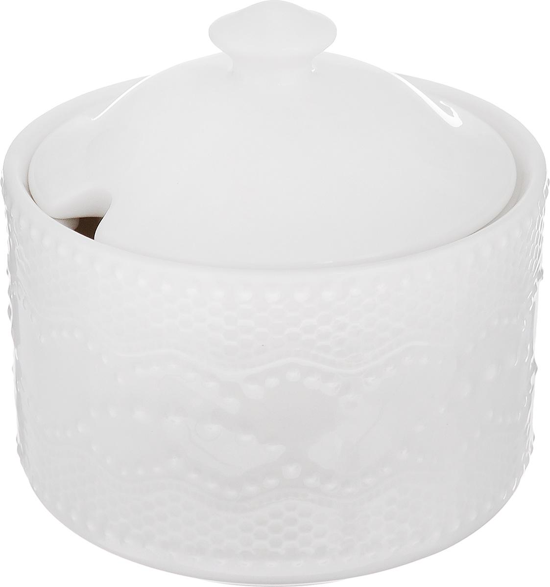 Сахарница Walmer Vivien, цвет: белый, 300 млW07250010Великолепная сахарница Walmer Vivien выполнена из высококачественного фарфора и оснащена крышкой. Эксклюзивный дизайн, эстетичность и функциональность сахарницы делают ее незаменимой на любой кухне. Диаметр сахарницы (по верхнему краю): 9,7 см. Высота сахарницы (без учета крышки): 7 см.