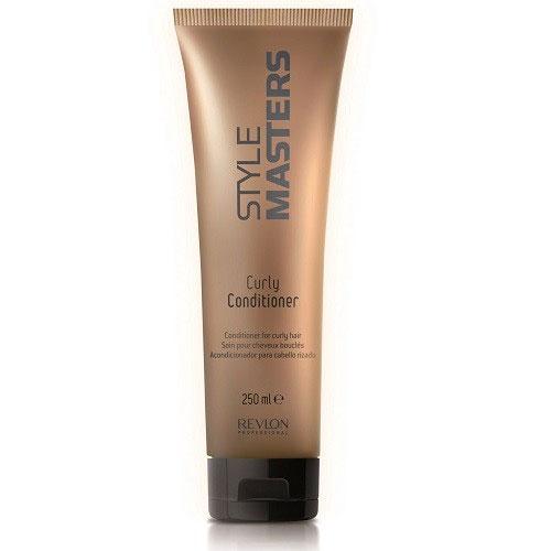 Revlon Professional Style Кондиционер для вьющихся волос Masters Curly Conditioner 250 мл7207637000Revlon Professional Style Masters Curly Conditioner Кондиционер для вьющихся волос создан для полноценного и тщательного ухода за вьющимися волосами. Данный продукт компании Revlon Professional, в состав которого входят натуральные компоненты, эффективно восстанавливает волосы, а также укрепляет их, придаёт им силу и красивый блеск, сохраняя их естественный цвет. Кондиционер Ревлон Профессионал Style Masters не сушит волосы и кожу головы, прекрасно повышает послушность и мягкость вьющихся волос, снимает с них эффект статического электричества, значительно облегчает процесс расчёсывания. Средство от компании Revlon делает волосы эластичными и мягкими. Для получения наилучшего результата кондиционер Revlon Style Masters Curly рекомендуется использовать после применения шампуня для вьющихся волос.