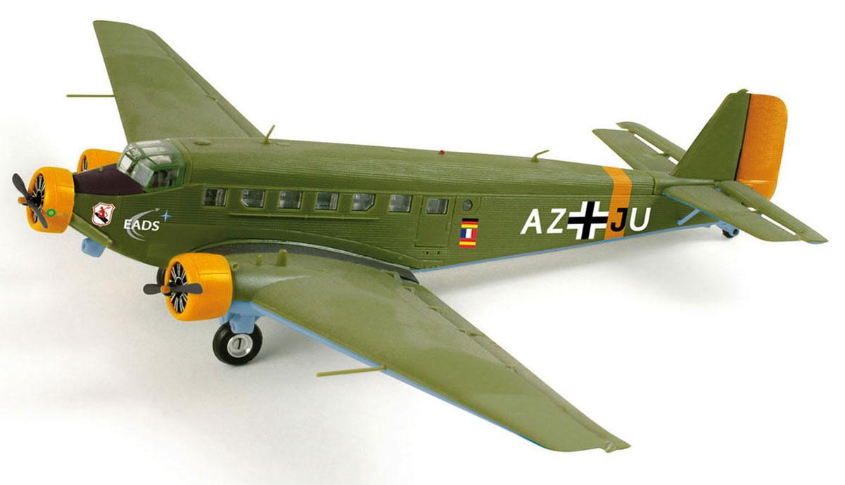 Schabak Самолет Ju 52 Dt. Luftwaffe403551631Миниатюрная коллекционная модель самолета Schuco Amicale Jean-Baptiste Salis непременно понравится не только детям, но и взрослым авиалюбителям. Модель выполнена в масштабе 1:250 по отношению к реальному воздушному судну. Она превосходно детализирована как в плане формы, так и в плане рисунка. Темно-зеленую поверхность самолета покрывают белые надписи. Изделие изготовлено из первоклассных материалов: высокопрочного пластика и металла. Их сочетание позволило добиться предельной реалистичности копии. В комплекте с моделью идет специальная пластиковая подставка. Модель Schuco Amicale Jean-Baptiste Salis станет достойным украшением любой коллекции!