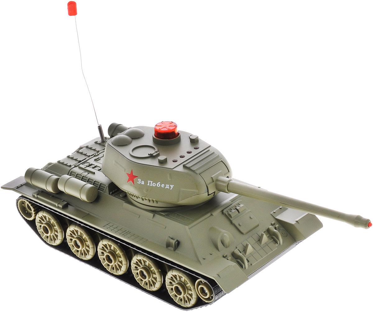 ABtoys Танк на радиоуправлении Т-34C-00136(553)Радиоуправляемая модель ABtoys Боевой танк Т-34 - отличный подарок не только ребенку, но и взрослому, увлекающемуся военной техникой. Танк изготовлен из прочного пластика, оснащен светодиодами, загорающимися во время вращения башни. Игрушка выполнена с вниманием к деталям. Танк передвигается при помощи скрытых колесиков, что позволяет создать иллюзию гусеничного хода. Танк имеет высокую скорость движения. Ствол танка поднимается и опускается, башня поворачивается. При помощи пульта управления танк может двигаться вперед, назад, поворачивать влево и вправо на 360°. Танк оснащен звуковыми эффектами: во время сражения раздаются реалистичные звуки выстрелов. На башне танка имеется световой индикатор жизней - вы можете устроить настоящее танковое сражение, при помощи инфракрасного наведения целясь в башню вражеского танка. Радиус стрельбы составляет 3 м. Радиоуправляемая модель подарит массу удовольствия и детям, и взрослым. С ней можно играть часами,...