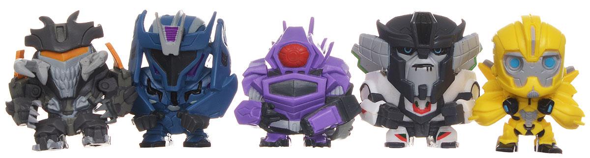 Transformers Набор фигурок 5 шт Набор 1TRF450Набор фигурок Transformers станет восхитительным сюрпризом для вашего малыша и подарит ему множество счастливых мгновений. Этот набор приведет в восторг любого маленького поклонника знаменитых Трансформеров, ведь он включает в себя 5 мини-фигурок героев мультфильма. Также в комплект входят 5 подставок для фигурок и 5 коллекционных карточек персонажей. Фигурки выполнены из прочного безопасного пластика. Ваш ребенок часами будет играть с этим набором, придумывая различные истории с участием любимых героев. Высокое качество исполнения фигурок порадует маленьких коллекционеров, и такие фигурки займут достойное место в коллекции игрушек вашего малыша. Небольшие размеры фигурок позволят брать их с собой на прогулку.