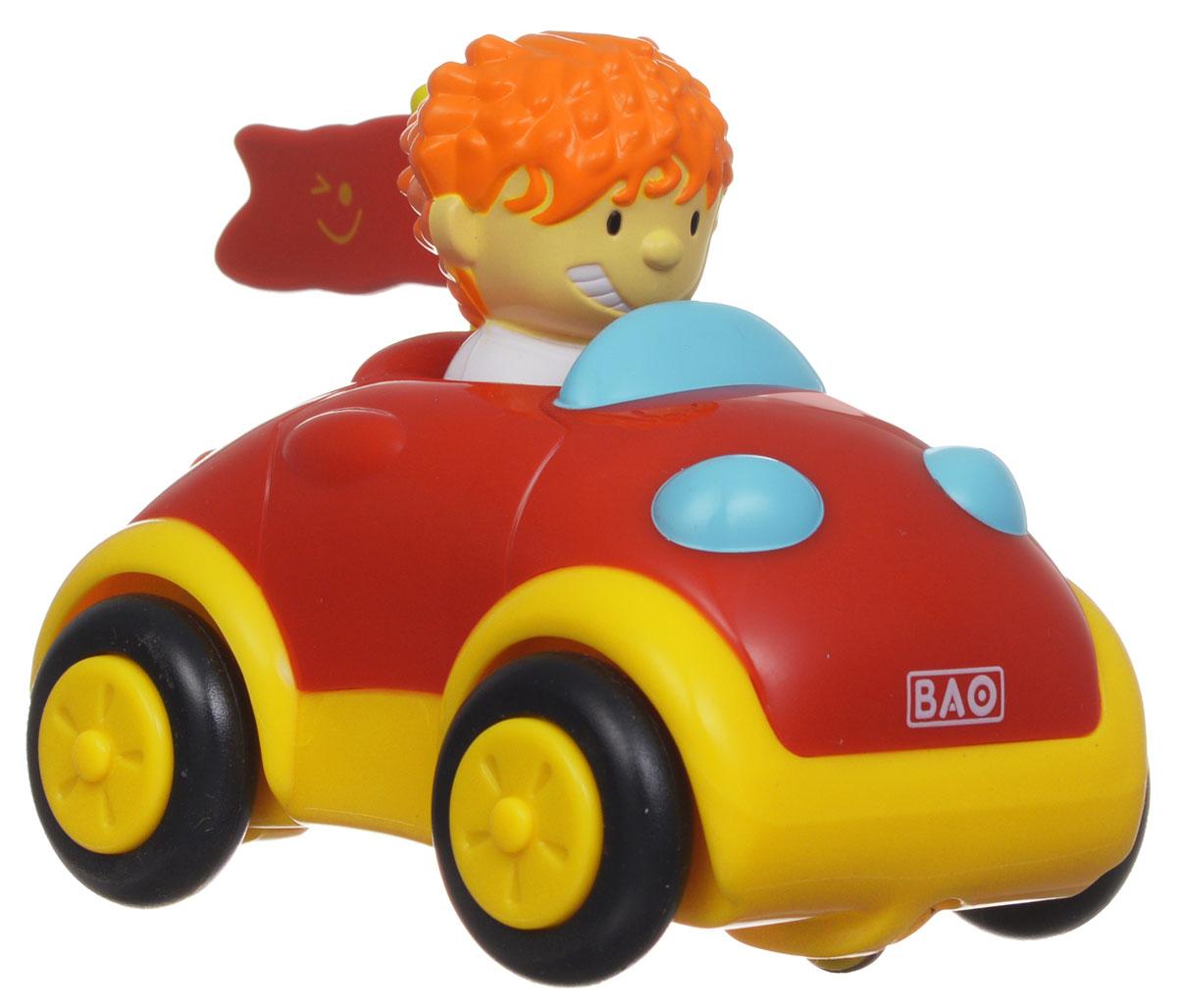 Smoby Машинка на радиоуправлении Park & Drive8302Машинка на радиоуправлении Smoby Park & Drive - это прекрасный игровой набор в виде своеобразного руля-гаража с машинкой и водителем. Набор доставит крохе массу положительных эмоций. Игровой комплект Smoby состоит из гаража желтого цвета, на котором располагается игровая управляющая панель с разноцветными кнопками и синий руль, а также красочной радиоуправляемой машинки с водителем. Игрушка снабжена звуковыми эффектами: если ребенок поворачивает ключ зажигания, то он слышит звук мотора; когда жмет на клаксон, располагающийся на руле - машинка сигналит; нажимает на красную кнопку - с помощью звука создается иллюзия проносящейся мимо машины; на желтую кнопку - слышит, как машинка тормозит, а при нажатии на зеленую кнопку раздается звук заводящейся машинки. Режим движения машинки: вперед, направо, налево. Для того, чтобы начать игру, остается лишь включить на машинке и руле позицию On. Машинкой можно управлять на достаточно дальнем расстоянии - 26 шагов. Во время игры с...