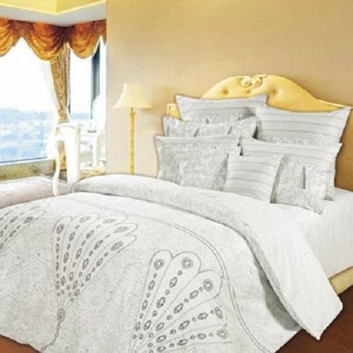 Комплект белья Lux Slava Zaitsev Богема, 2-спальный, наволочки 50х70, цвет: белый, серый277378Постельное белье Lux Slava Zaitsev Богема выполнено из удивительно мягкой и нежной ткани Lux перкаль. Комплект состоит из пододеяльника, простыни и двух наволочек. Коллекция постельного белья Lux Slava Zaitsev создана самым известным российским дизайнером модной одежды - Вячеславом Зайцевым. В рисунке ткани воплотились его изысканные фантазии. Такое постельное белье будет поднимать вам настроение при использовании и придавать роскошный вид вашей спальне. Неповторимый рисунок не поблекнет долгое время благодаря современной ткани перкаль, из которой сшит комплект. Эта ткань обладает уникальной мягкой и бархатистой структурой. Упаковка комплекта содержит фото автора и сюжеты его известных коллекций. Такое постельное белье станет отличным подарком к любому празднику. Рекомендации по уходу: - не отбеливать. - можно гладить. - стирать, вывернув наизнанку, - перед первым использованием рекомендуется ...