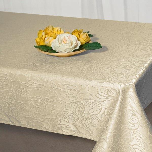 Скатерть Schaefer, прямоугольная, цвет: светло-бежевый, 130 х 160 см. 07550-427 - Schaefer07550-427Изящная прямоугольная скатерть Schaefer, выполненная из плотного полиэстера с водоотталкивающей пропиткой, станет украшением кухонного стола. Изделие декорировано рельефным цветочным узором. За текстилем из полиэстера очень легко ухаживать: он не мнется, не садится и быстро сохнет, легко стирается, более долговечен, чем текстиль из натуральных волокон. Использование такой скатерти сделает застолье торжественным, поднимет настроение гостей и приятно удивит их вашим изысканным вкусом. Также вы можете использовать эту скатерть для повседневной трапезы, превратив каждый прием пищи в волшебный праздник и веселье. Это текстильное изделие станет изысканным украшением вашего дома!
