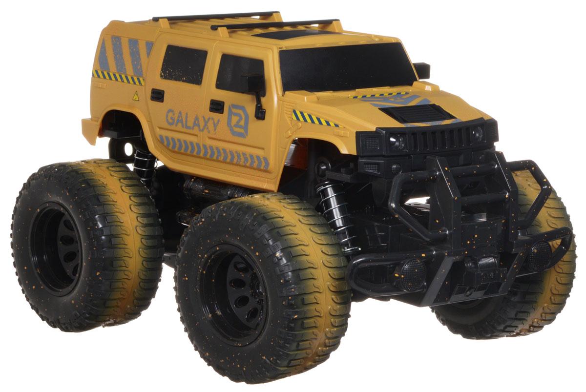 Balbi Машина на радиоуправлении GalaxyRCO-1001 AМашина на радиоуправлении Balbi Galaxy станет отличным подарком любому мальчишке! Мощный внедорожник на огромных колесах с настоящими пружинными амортизаторами и внушительным пластиковым бампером не оставит равнодушными ни детей, ни взрослых. Модель выполнена из прочного безопасного пластика в масштабе 1/10 к реальному прототипу. Благодаря выдающимся характеристикам ходовой части играть с машиной можно на улице, при этом она будет легко преодолевать значительные препятствия. Машинка движется вперед, назад, вправо, влево и останавливается. Фары машины при движении светятся. Пульт управления работает на частоте 27 MHz. Машина работает от сменного аккумулятора (входит в комплект). Для работы пульта управления необходимо докупить 2 батарейки напряжением 1,5V типа АА (не входят в комплект).