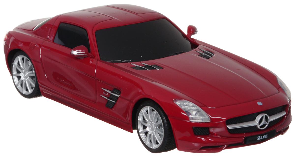 Welly Радиоуправляемая модель Mercedes-Benz SLS AMG84002Радиоуправляемая модель Welly Mercedes-Benz SLS AMG обязательно привлечет внимание взрослого и ребенка и понравится любому, кто увлекается автомобилями. Маневренная и реалистичная уменьшенная копия Mercedes-Benz SLS AMG выполнена в точной детализации с настоящим автомобилем в масштабе 1/24. Управление машинкой происходит с помощью пульта. Автомобиль двигается вперед и назад, поворачивает направо и налево. Радиус действия пульта - 8 метров. Колеса игрушки прорезинены и обеспечивают плавный ход, машинка не портит напольное покрытие. Радиоуправляемые игрушки способствуют развитию координации движений, моторики и ловкости. Ваш ребенок часами будет играть с моделью, придумывая различные истории и устраивая соревнования. Порадуйте его таким замечательным подарком! Питание: для работы машинки - 3 батарейки напряжением 1,5V типа АА; для работы пульта - 2 батарейки напряжением 1,5V типа АА (не входят в комплект).