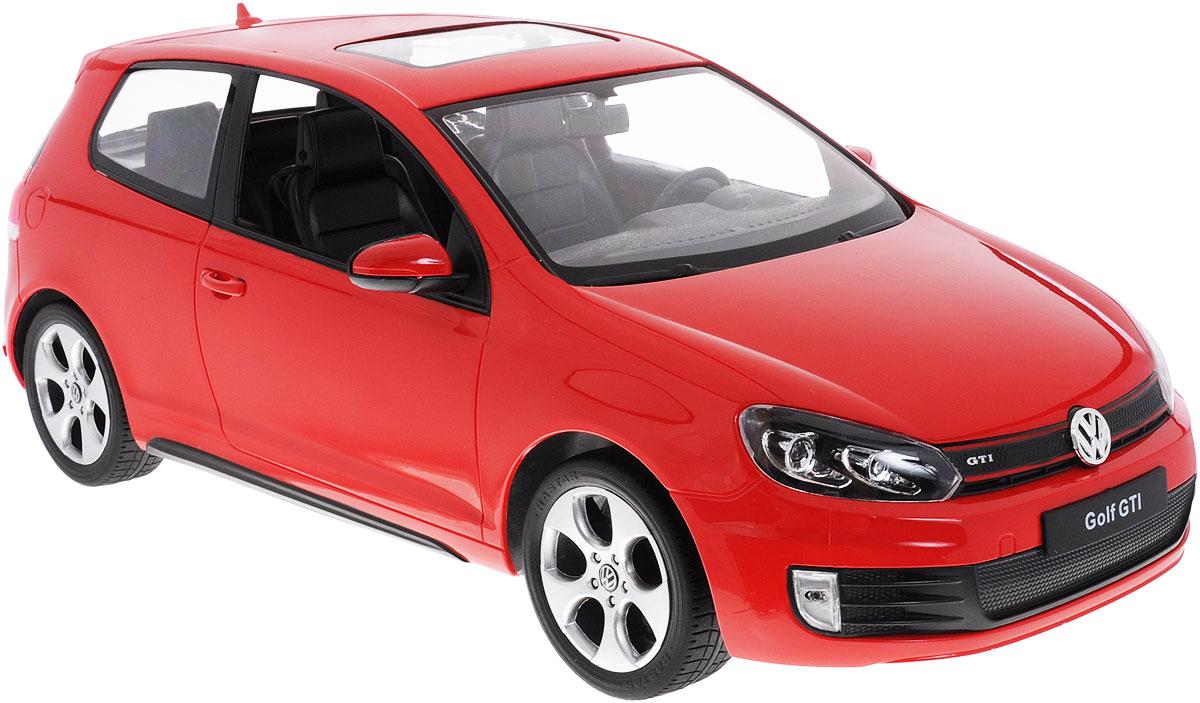 Rastar Радиоуправляемая модель Volkswagen Golf GTI цвет красный масштаб 1:1244600Радиоуправляемая модель Rastar Volkswagen Golf GTI станет отличным подарком любому мальчику! Все дети хотят иметь в наборе своих игрушек ослепительные, невероятные и модные автомобили на радиоуправлении. Тем более, если это автомобиль известной марки с проработкой всех деталей, удивляющий приятным качеством и видом. Одной из таких моделей является автомобиль на радиоуправлении Rastar Volkswagen Golf GTI. Это точная копия настоящего авто в масштабе 1:12. Авто обладает неповторимым провокационным стилем и спортивным характером. Потрясающая маневренность, динамика и покладистость - отличительные качества этой модели. Возможные движения: вперед, назад, вправо, влево, остановка. При движении загораются фары и стоп- сигналы. Машина работает от 5 батареек типа АА напряжением 1,5V, пульт работает от батарейки 9V типа Крона (не входят в комплект).