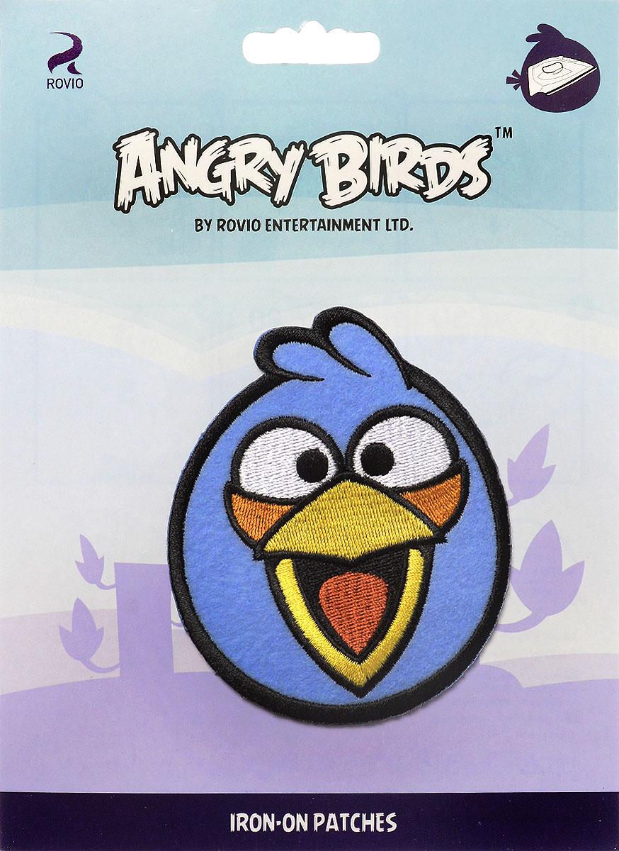 Термоаппликация Prym Angry Birds. Jay, 8 х 10 см694168Термоаппликация Prym Angry Birds. Jay изготовлена из текстиля. Изделие закрепляется на ткани при помощи утюга. Накройте аппликацию тканью и прогладьте утюгом под давлением 20-30 секунд. Проутюжьте с обратной стороны и дайте остыть. Можно закреплять аппликацию стежками. Не закрепляйте аппликацию утюгом на деликатных тканях. С такой термоаппликацией вы сможете обновить старые джинсы, рубашки, кофты, детскую одежду, вещь станет неповторимой и особенной.