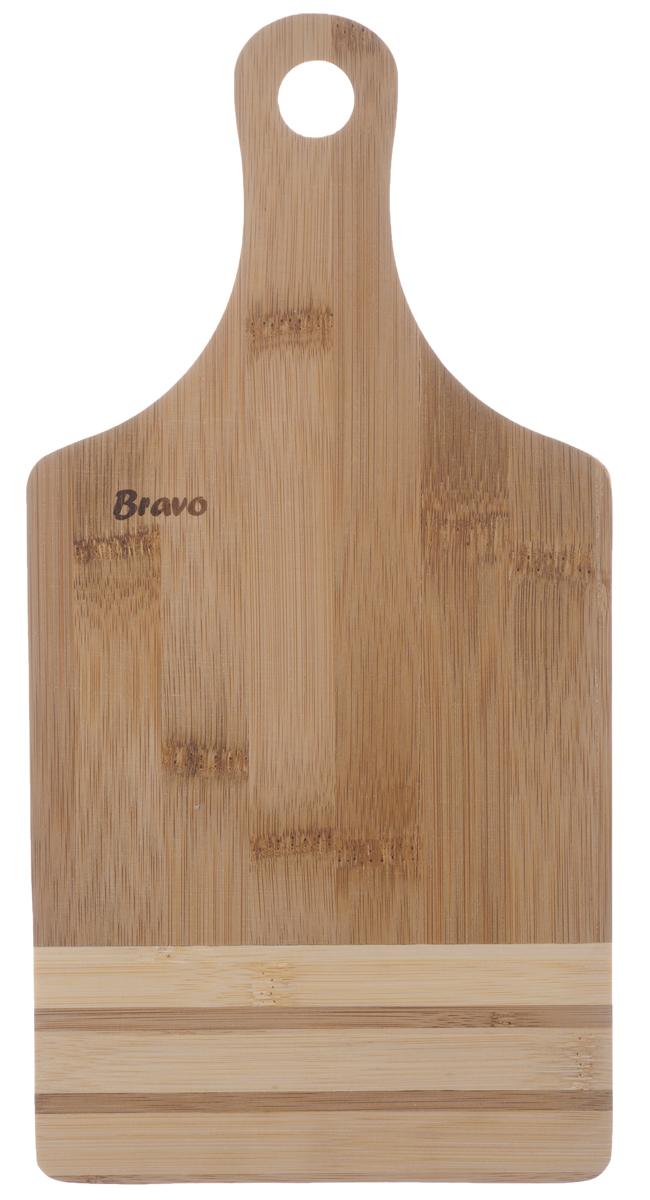 Доска разделочная Bravo, с ручкой, 28 см х 14 см309Доска разделочная Bravo изготовлена из бамбука. Она оснащена ручкой для удобной готовки. Функциональная и простая в использовании, разделочная доска Bravo прекрасно впишется в интерьер любой кухни и прослужит вам долгие годы. Не рекомендуется мыть в посудомоечной машине. Общий размер доски (с учетом ручки): 28 см х 14 см х 1 см.