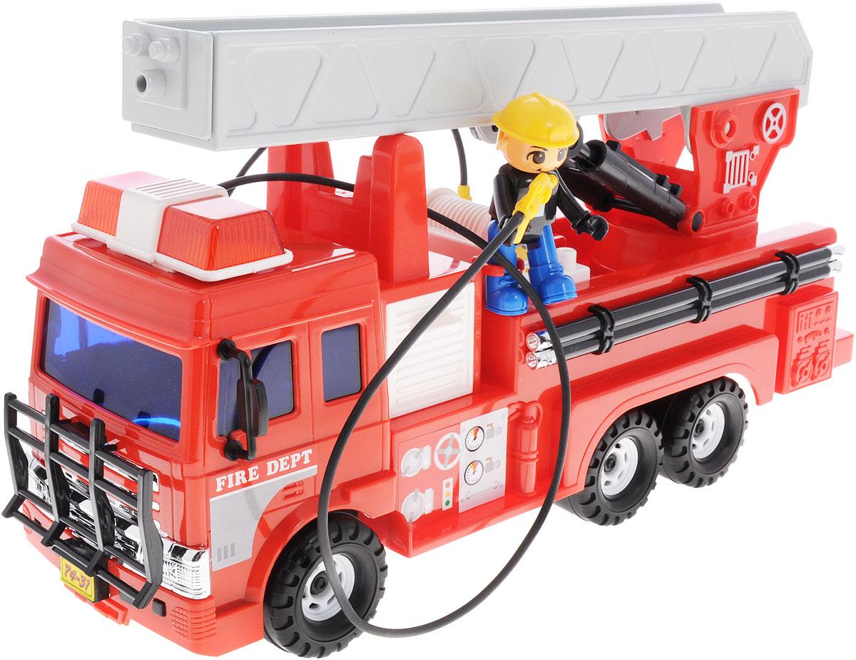 Daesung Пожарная машина 926926Пожарная машина Daesung, выполненная из безопасного пластика, станет любимой игрушкой вашего малыша. Лестница машины поднимается и опускается, а шланг разматывается. Входящая в комплект фигурка пожарного разнообразит игры малыша. Игрушка оснащена инерционным ходом. Толкните машинку вперед - и она будет продолжать ехать самостоятельно. Рельефные прорезиненные колеса обеспечивают надежное сцепление с любой поверхностью пола. Игры с этой яркой машинкой развивают концентрацию внимания, координацию движений, мелкую и крупную моторику, цветовое восприятие и воображение. Ваш ребенок будет часами играть с этой машинкой, придумывая различные истории.