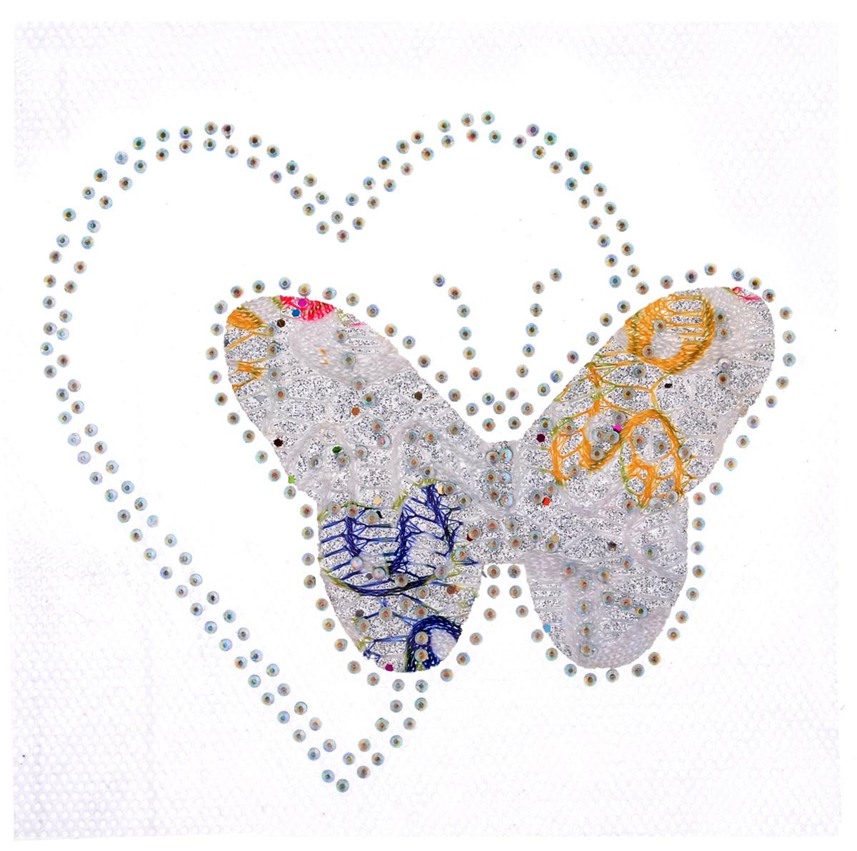 Термоаппликация Hobby&Pro Бабочка с сердцем, цвет: серебро, 10 х 10 см7713587_1 сереброКлеевая термоаппликация Hobby&Pro Бабочка с сердцем изготовлена из текстиля. Изделие оформлено сверкающими стразами и оригинальным узором. Термоаппликация с обратной стороны оснащена клеевым слоем, благодаря которому при помощи утюга вы сможете быстро и легко закрепить изделие на ткани. С такой термоаппликацией любая вещь станет особенной.