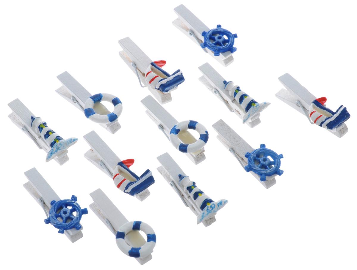 Набор декоративных прищепок ScrapBerrys Море, 12 шт7714775Набор ScrapBerrys Море состоит из 12 декоративных прищепок. Прищепки выполнены из высококачественного дерева и декорированы фигурками на морскую тему. Изделия используются для развешивания стикеров на веревке, маленьких игрушек. Могут применяться при создании различных творческих работ, а также во флористике. Такие оригинальные и необычные прищепки будут радовать глаз и поднимут настроение. Длина прищепки: 3 см. Средний размер фигурок: 2 х 2 см.