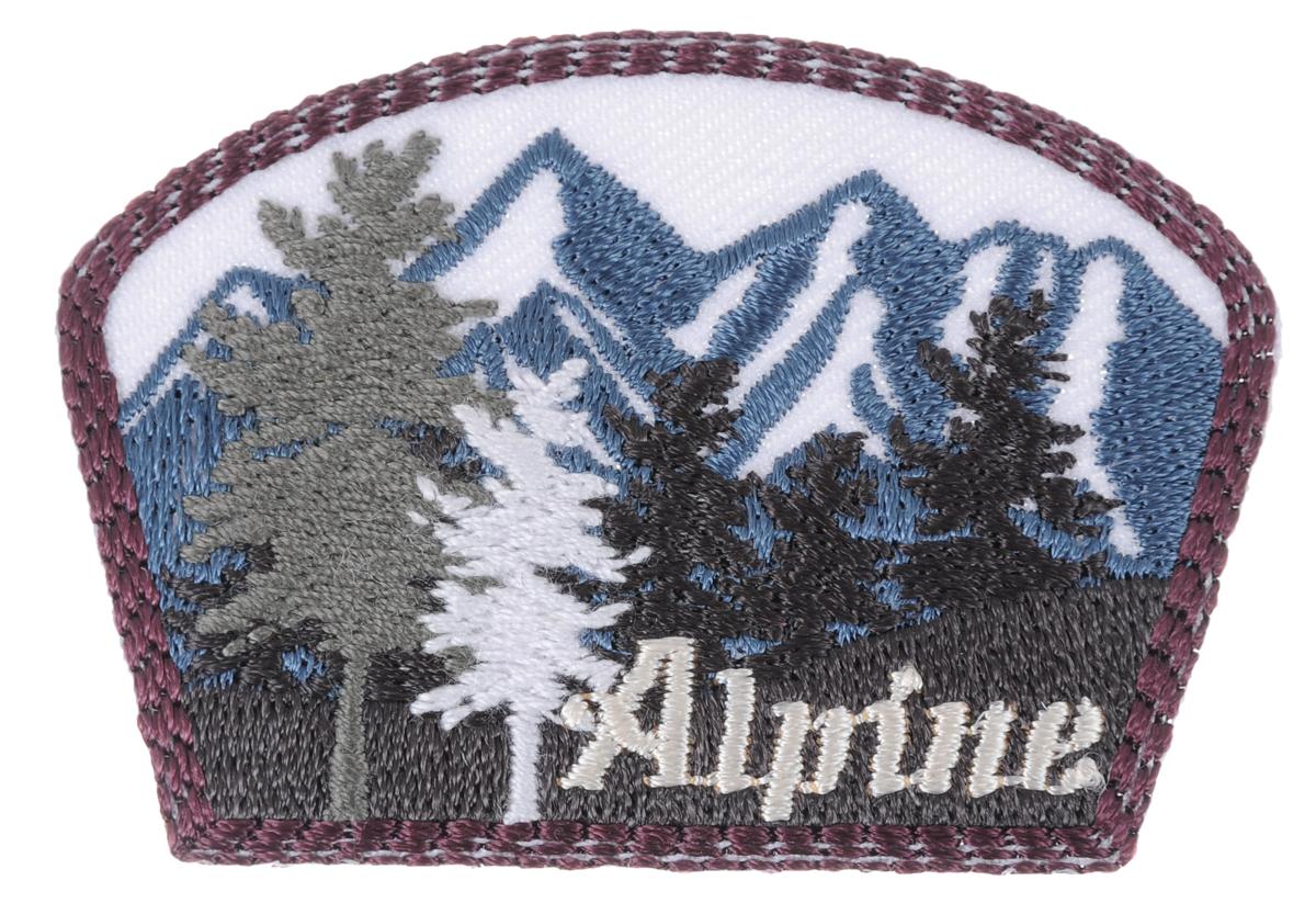Термоаппликация Prym Alpine, 6 х 4,2 см7706524Термоаппликация Prym Alpine изготовлена из полиэстера и декорирована красивой вышивкой в виде леса и гор. Изделие закрепляется на ткани при помощи утюга. Накройте аппликацию тканью и прогладьте утюгом под давлением 20-30 секунд. Проутюжьте с обратной стороны и дайте остыть. Можно закреплять аппликацию стежками. Не закрепляйте аппликацию утюгом на деликатных тканях. С такой термоаппликацией вы сможете обновить старые джинсы, рубашки, кофты, детскую одежду, вещь станет неповторимой и особенной.