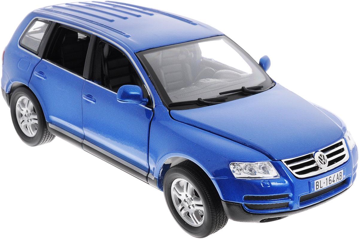 Bburago Модель автомобиля Volkswagen Touareg цвет синий масштаб 1:1818-12002_синийКоллекционная модель автомобиля Bburago Volkswagen Touareg будет отличным подарком как ребенку, так и взрослому коллекционеру. Благодаря броской внешности, а также великолепной точности, с которой создатели этой модели масштабом 1:18 передали внешний вид настоящего автомобиля, модель станет подлинным украшением любой коллекции авто. Машинка будет долго служить своему владельцу благодаря металлическому корпусу с элементами из пластика. Дверцы машины и капот открываются, шины обеспечивают отличное сцепление с любой поверхностью пола. Модель автомобиля Bburago Volkswagen Touareg обязательно понравится вашему ребенку и станет достойным экспонатом любой коллекции.