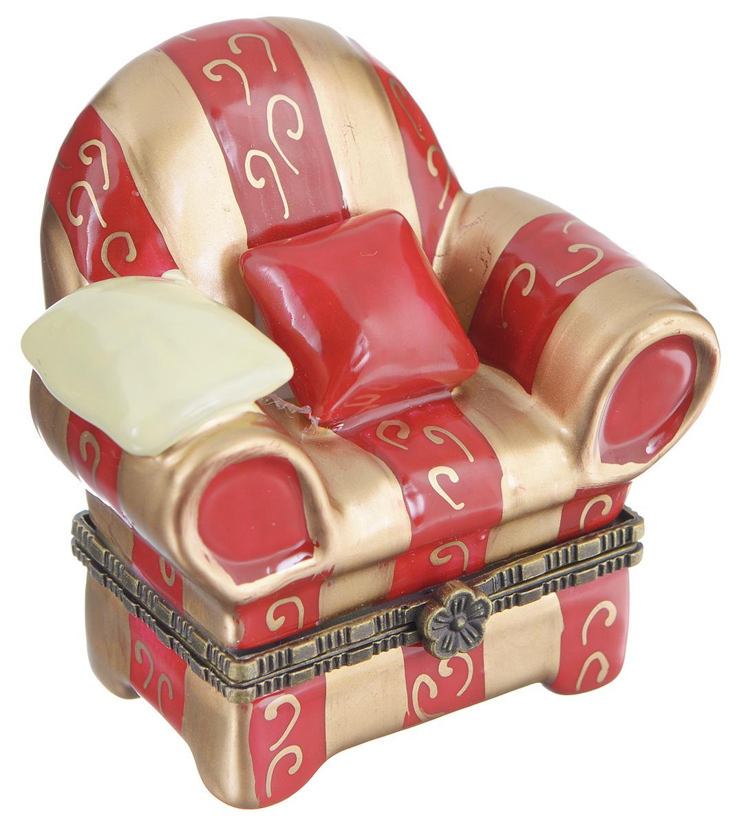 Шкатулка сувенирная Elan Gallery Кресло, 6,5 х 5 х 6 см350002Сувенирная шкатулка Elan Gallery Кресло выполнена из фарфора. Она не оставит равнодушной ни одну любительницу изысканных вещей. Изделие оформлено в виде кресла. Такая оригинальная шкатулка может использоваться для хранения бижутерии, в качестве украшения интерьера, а также послужит хорошим подарком для родных и близких.