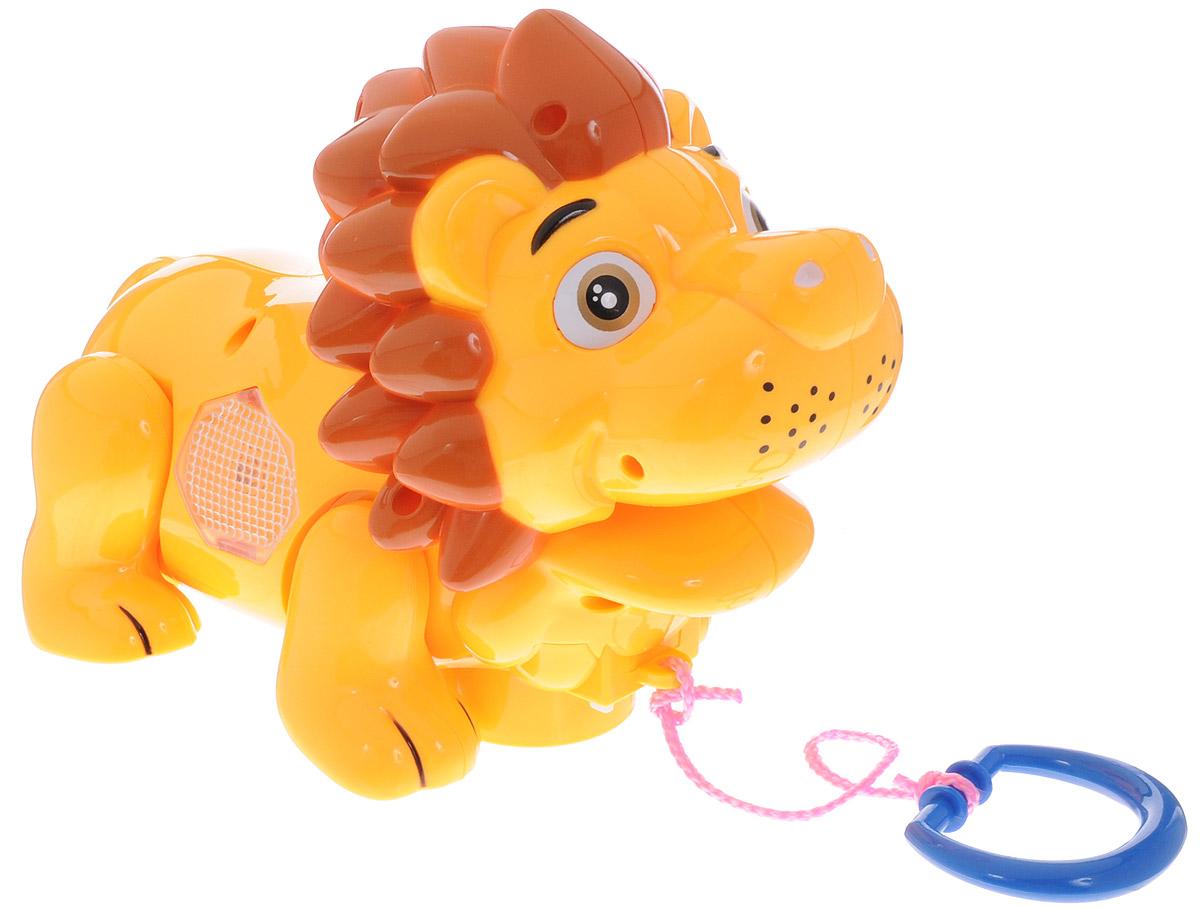 Zhorya Игрушка-каталка Музыкальный львенокХ75386_желтыйЯркая игрушка-каталка Музыкальный львенок будет побуждать вашего ребенка к прогулкам и двигательной активности. Она подойдет для игры, как дома, так и на свежем воздухе. Игрушка со световыми и звуковыми эффектами выполнена из безопасного пластика в виде милого львенка. При движении львенок забавно двигает лапкой и головой. А ещё игрушка споет веселую песенку на русском языке и замигает яркой подсветкой. У каталки есть режим Произвольное движение. Ребенок сможет катать игрушку, потянув за текстильный шнурок. Игрушка-каталка Львенок развивает у ребенка пространственное мышление, цветовое восприятие, ловкость и координацию движений, тактильные ощущения, память, внимание и слух. Для работы игрушки необходимы 3 батарейки напряжением 1,5V типа АА (не входят в комплект).