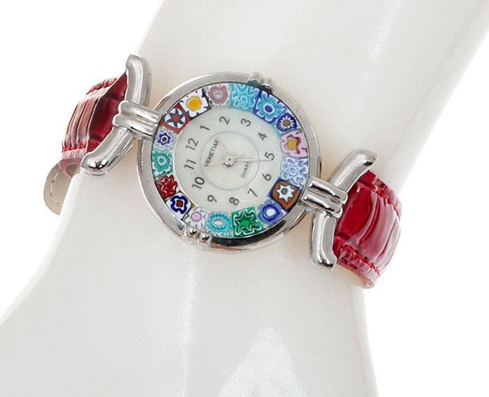 Часы женские наручные. Муранское стекло, искусственная кожа красного цвета, перламутр, металл серебряного тона. Murano, Италия (Венеция)8308S-A-RDM-6Модные кварцевые женские часы. Муранское стекло, искусственная кожа красного цвета, перламутр, металл серебряного тона. Murano, Италия (Венеция). Размер: Циферблат - диаметр 2,5 см. Браслет - длина 20 см. Имеют секундную стрелку. Подарочная упаковка.