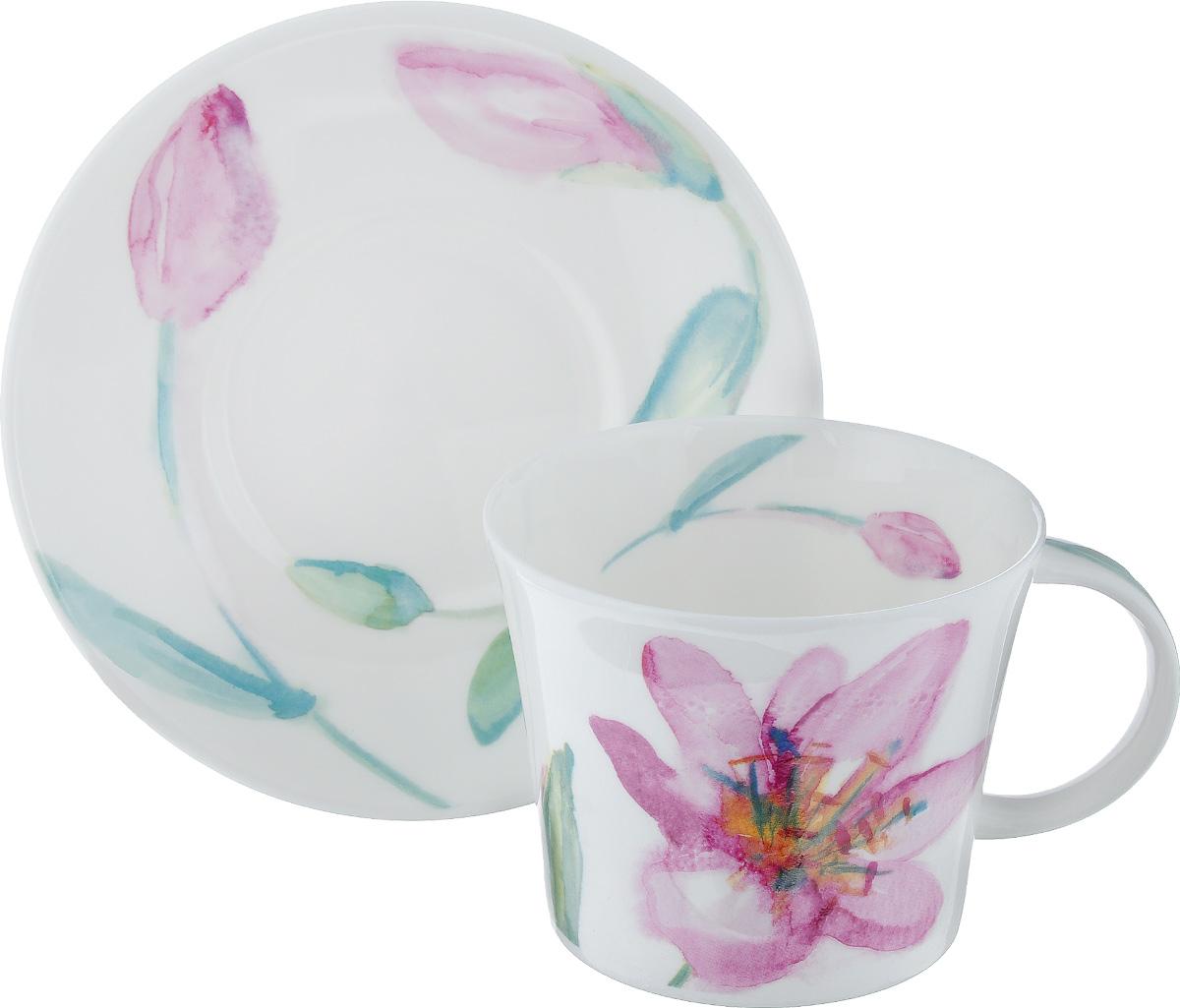 Чайная пара Roy Kirkham Верона, 2 предметаCOVERON1111Чайная пара Roy Kirkham Верона состоит из чашки и блюдца, изготовленных из тонкостенного костяного фарфора высшего качества, отличающегося необыкновенной прочностью и небольшим весом. Изделия оформлены цветочным рисунком. Яркий дизайн, несомненно, придется вам по вкусу. Чайная пара Roy Kirkham Верона украсит ваш кухонный стол, а также станет замечательным подарком к любому празднику. Объем чашки: 500 мл. Диаметр чашки по верхнему краю: 10,5 см. Высота чашки: 8,5 см. Диаметр блюдца: 17 см. Высота блюдца: 2,5 см.