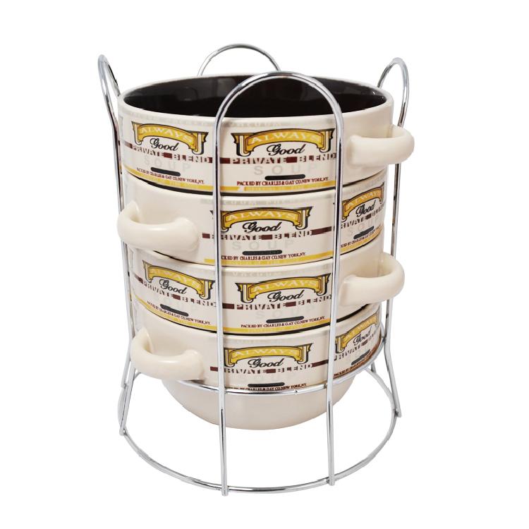 Набор супниц Loraine, на подставке, 575 мл, 5 предметов. 2128021280Набор Loraine включает в себя четыре супницы, выполненные из высококачественной керамики. Набор прекрасно подходит для подачи супов, бульонов и других блюд. Элегантный дизайн с разнообразными надписями отлично впишется в интерьер любой кухни. Супницы компактно размещаются на подставке из хромированного металла с резными вставками по бокам. Посуду можно использовать в микроволновой печи и холодильнике, а также мыть в посудомоечной машине. Объем супниц: 575 мл. Диаметр супниц по верхнему краю: 14 см. Диаметр дна супниц: 10 см. Высота супниц: 7 см. Размер подставки: 16,5 х 16,5 х 20,5 см.
