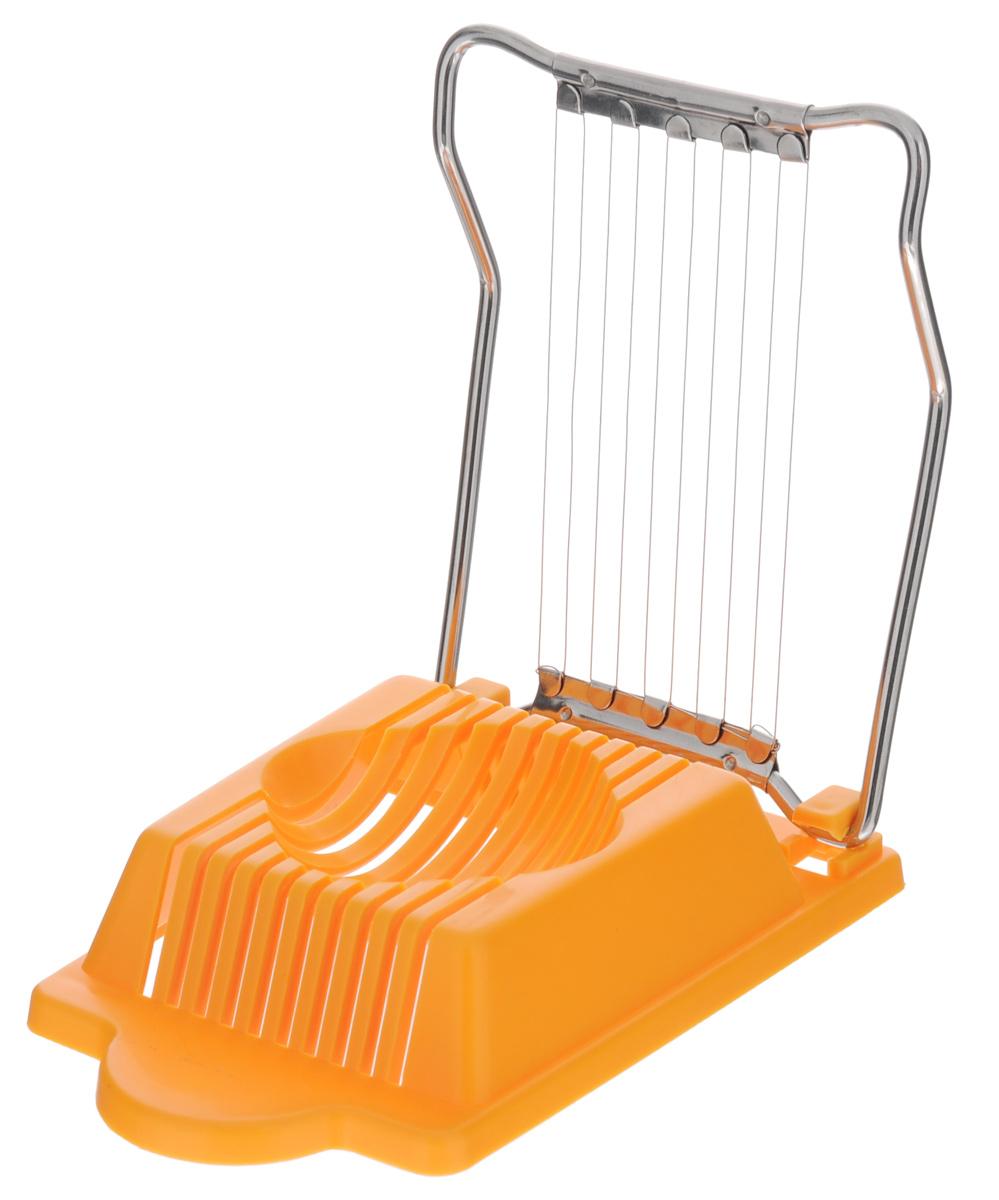 Яйцерезка Metaltex, цвет: оранжевый26.27.30-513_оранжевыйИзысканный стиль и эргономичность яйцерезки Metaltex прекрасно дополнят интерьер любой кухни. С помощью яйцерезки Metaltex, изготовленной из нержавеющей стали и пластика, вы без труда сможете измельчить яйцо. Хорошо натянутые стальные проволочки легко нарезают продукт на кусочки равной толщины. Положите очищенное яйцо, легко нажмите на крышку с тонкими стальными струнами и аккуратно разрезанные ломтики готовы для украшения изысканных блюд на фуршете или для салата.