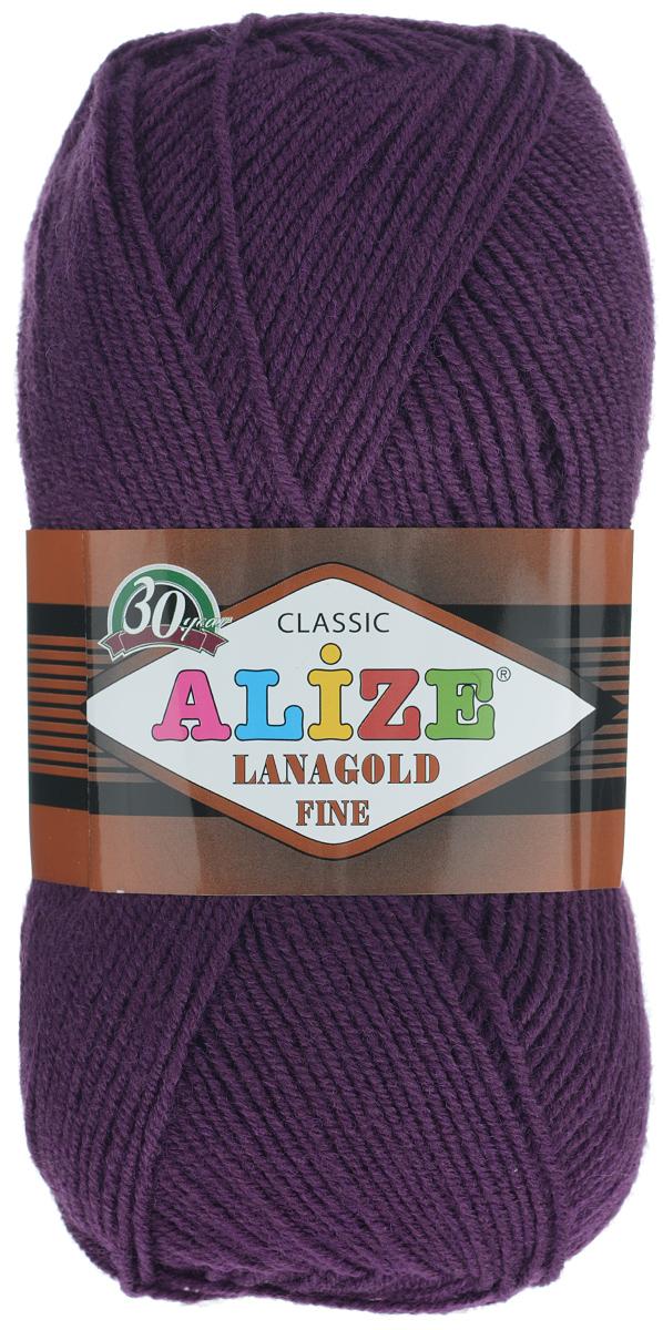 Пряжа для вязания Alize Lanagold Fine, цвет: темно-фиолетовый (111), 390 м, 100 г, 5 шт547499_111Alize Lanagold Fine - это полушерстяная пряжа для ручного вязания. Нить плотно скручена, гибкая, послушная, не пушится, не электризуется, аккуратно ложится в петли и не деформируется после распускания. Стойкое равномерное окрашивание обеспечивает широкую палитру оттенков, высокое качество материала и используемых красителей защищает от потери цвета. Соотношение шерсти и акрила - формула практичности. Высокие тепловые характеристики сочетаются с эстетикой, носкостью и простотой ухода за вещью. Классическая пряжа для зимнего сезона, может использоваться для детской и взрослой одежды. Alize Lanagold Fine - универсальная пряжа, которая будет хорошо смотреться в узорах любой сложности. Рекомендуемый размер спиц 2,5-4 мм и крючка 2-4 мм. Состав: 49% шерсть, 51% акрил.