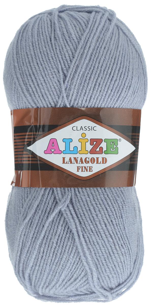 Пряжа для вязания Alize Lanagold Fine, цвет: серый (200), 390 м, 100 г, 5 шт547499_200Alize Lanagold Fine - это полушерстяная пряжа для ручного вязания. Нить плотно скручена, гибкая, послушная, не пушится, не электризуется, аккуратно ложится в петли и не деформируется после распускания. Стойкое равномерное окрашивание обеспечивает широкую палитру оттенков, высокое качество материала и используемых красителей защищает от потери цвета. Соотношение шерсти и акрила - формула практичности. Высокие тепловые характеристики сочетаются с эстетикой, носкостью и простотой ухода за вещью. Классическая пряжа для зимнего сезона, может использоваться для детской и взрослой одежды. Alize Lanagold Fine - универсальная пряжа, которая будет хорошо смотреться в узорах любой сложности. Рекомендуемый размер спиц 2,5-4 мм и крючка 2-4 мм. Состав: 49% шерсть, 51% акрил.