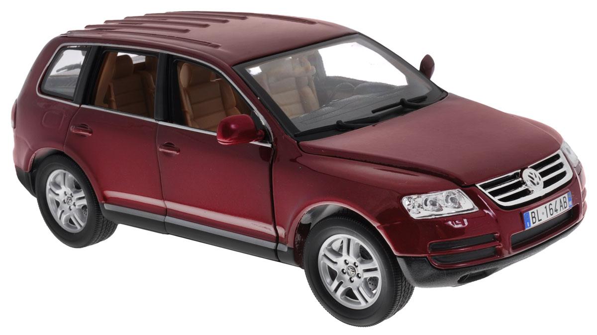 Bburago Модель автомобиля Volkswagen Touareg цвет бордовый масштаб 1:1818-12002Модель автомобиля Bburago Volkswagen Touareg станет отличным подарком как ребенку, так и взрослому коллекционеру. Благодаря броской внешности, а также великолепной точности, с которой создатели этой модели масштабом 1:18 передали внешний вид настоящего автомобиля, модель станет подлинным украшением любой коллекции авто. Машина будет долго служить своему владельцу благодаря металлическому корпусу с элементами из пластика. Дверцы машины, капот и багажник открываются, шины обеспечивают отличное сцепление с любой поверхностью пола. Модель автомобиля Bburago Volkswagen Touareg обязательно понравится вашему ребенку и станет достойным экспонатом любой коллекции.