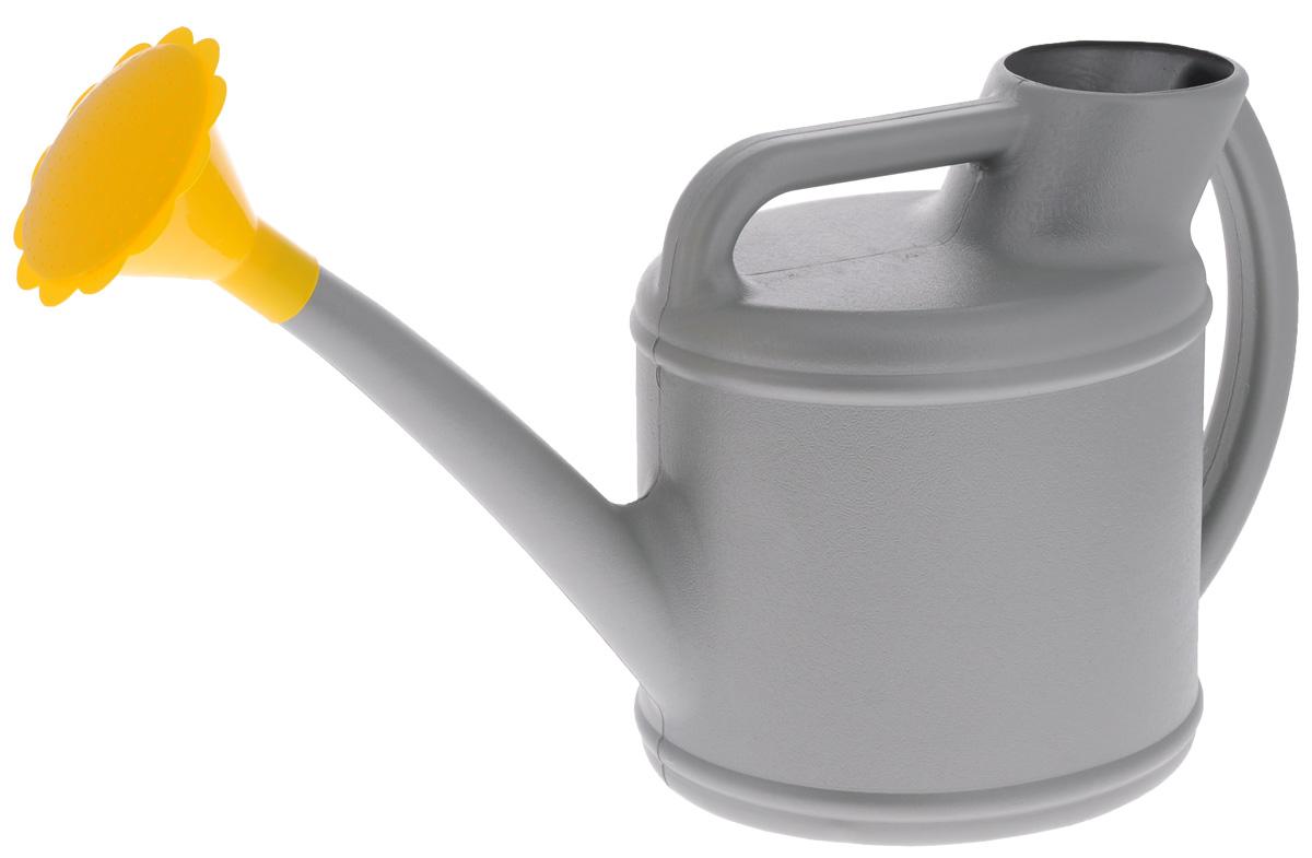 Лейка Альтернатива Классик, цвет: серый, 7 лМ2582_серыйСадовая лейка Альтернатива Классик предназначена для полива насаждений на приусадебном участке. Она выполнена из пластика и имеет небольшую массу, что позволяет экономить силы при поливе. Удобство в использовании также обеспечивается за счет эргономичной ручки лейки. Выпуклая насадка позволяет производить равномерный полив, не прибивая растения. Лейка имеет большое горлышко для наливания воды. Лейка Альтернатива Классик станет незаменимой на вашем огороде или в саду. Размер лейки: 54 х 17 х 28 см. Объем: 7 л.