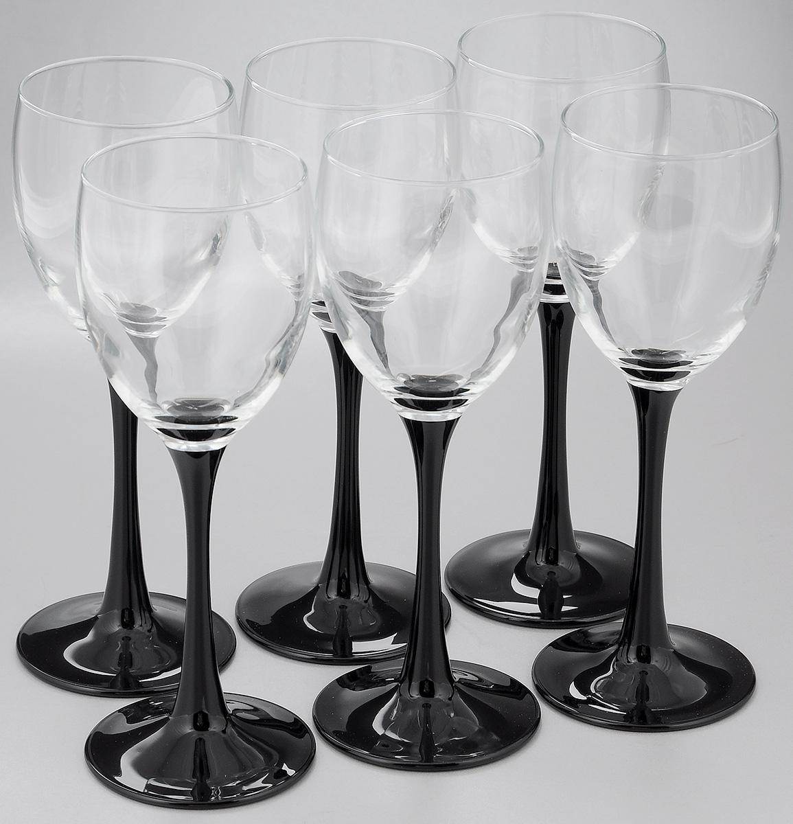 Набор фужеров Luminarc Domino, 190 мл, 6 штJ0042Набор Luminarc Domino состоит из шести фужеров, выполненных из прочного стекла. Изделия оснащены высокими ножками и предназначены для подачи вина. Они сочетают в себе элегантный дизайн и функциональность. Набор фужеров Luminarc Domino прекрасно оформит праздничный стол и создаст приятную атмосферу за романтическим ужином. Такой набор также станет хорошим подарком к любому случаю. Можно мыть в посудомоечной машине. Диаметр фужера (по верхнему краю): 6 см. Высота фужера: 18,5 см. Диаметр основания: 7 см.