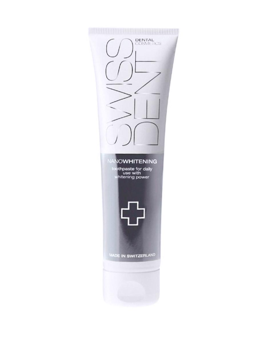 Swissdent Отбеливающая зубная паста для чувствительных зубов Gentle, 100 мл00-00000241SWISSDENT NANOWHITENING - Низкоабразивная отбеливающая зубная паста для ежедневного применения, для чувствительных зубов (деликатное отбеливание) - Запатентованная система отбеливания на основе нанотехнологий - Содержит Ферменты (бромелайн и папаин), Витамин Е, Коэнзим Q10 - Не содержит SLS/СЛС - Один из самых низких уровней абразивности (RDA) в мире - RDA 25 - Рекомендованы для ежедневного применения - Безопасное и эффективное отбеливание каждый день. Производитель: SWISSDENT Dental Cosmetics, Швейцария Упаковка: 100 мл.