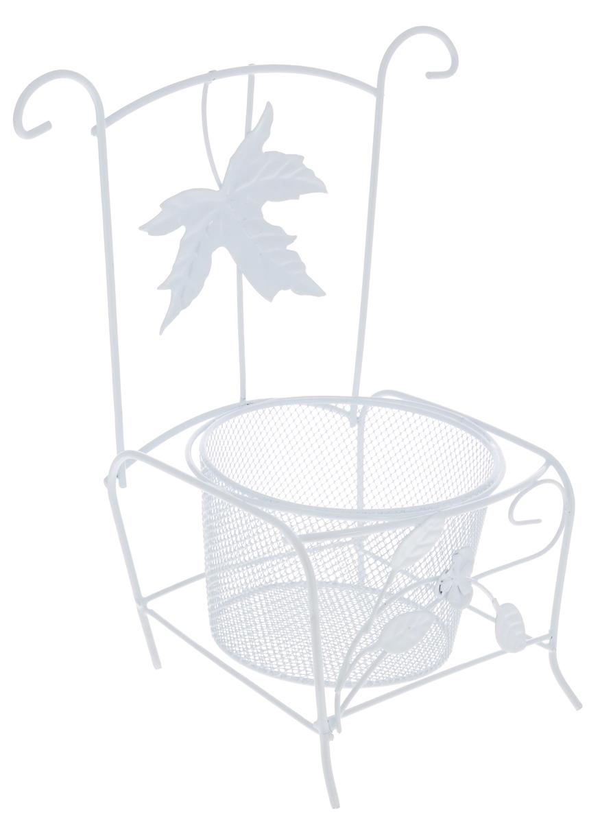 Кашпо ScrapBerrys СтулSCB271045Кашпо ScrapBerrys Стул изготовлено из высококачественного металла в виде стула. Кашпо - декоративная ваза для цветочных горшков. Фигурные кашпо для цветов служат объектом декора помещения. Дом, украшенный фигурными кашпо, приобретает свою оригинальность, свой характер. Неожиданные и оригинальные кашпо для цветов - это самый простой и доступный способ сделать дом, дачу или приусадебную территорию неповторимыми. Кашпо ScrapBerrys Стул - красивый и оригинальный сувенир для друзей и близких. Диаметр отверстия для горшка: 10 см.