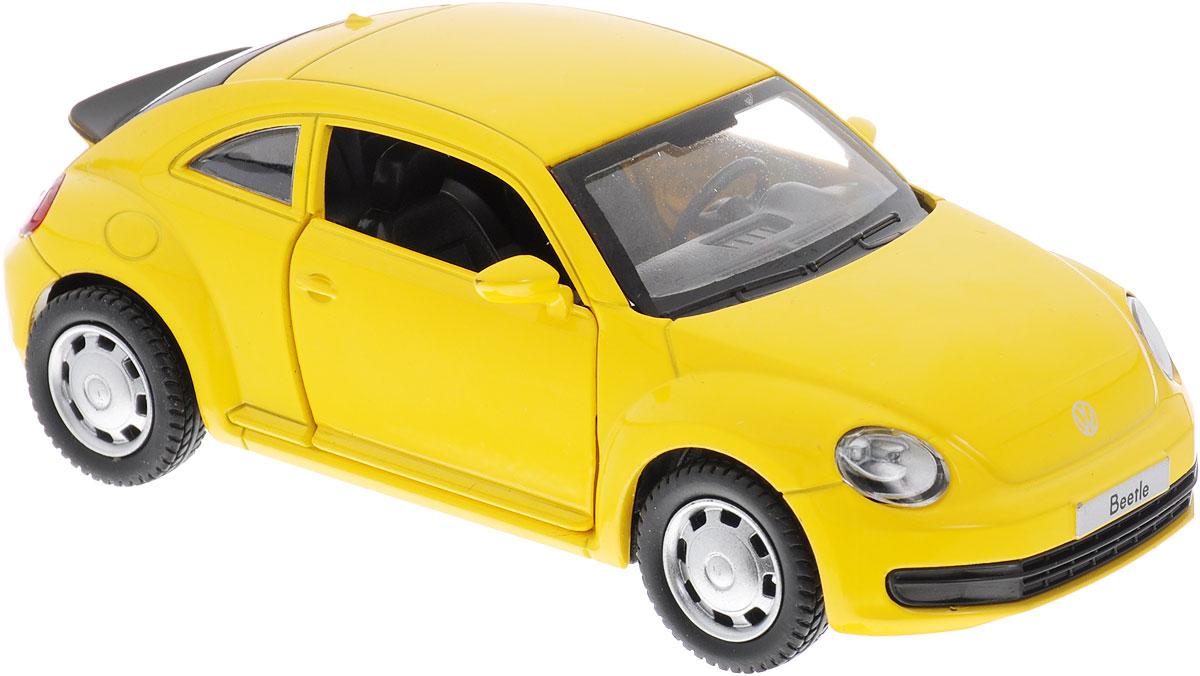 MSZ Модель автомобиля Volkswagen the BeetleCP-67321-YИнерционная модель автомобиля Volkswagen the Beetle, выполненная из высококачественного металла и пластика, непременно понравится и ребенку, и взрослому. Это точная копия оригинала в масштабе 1:38. Модель является точной уменьшенной копией известного автомобиля марки Volkswagen. Игрушечная модель оснащена литым металлическим корпусом и вращающимися колесами из резины. Передние двери машинки открываются, салон детализирован. Игрушка оснащена инерционным ходом. Для того, чтобы автомобиль поехал вперед, необходимо его отвести назад, а затем резко отпустить. Прорезиненные колеса обеспечивают надежное сцепление с любой поверхностью пола. Машинка является отличным подарком для юного гонщика. Во время игры с такой машинкой, у ребенка развивается мелкая моторика рук, фантазия и воображение.