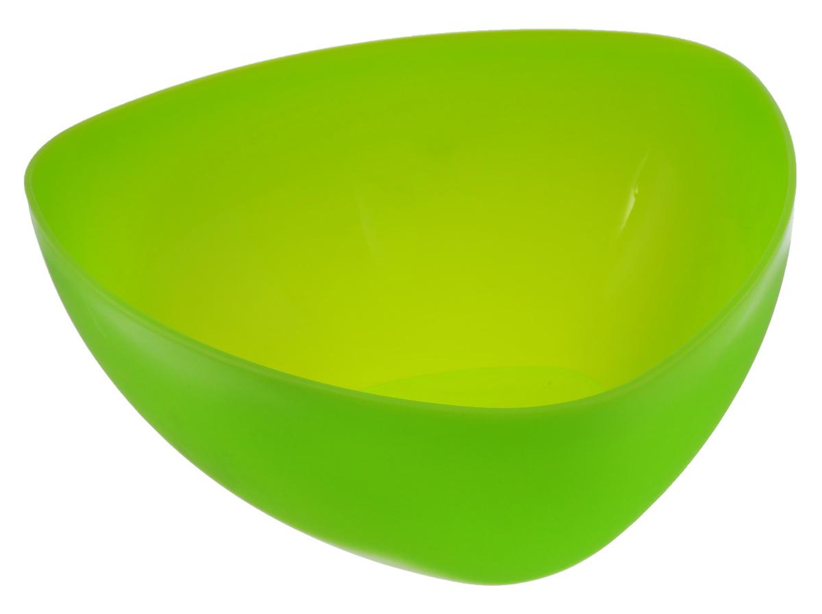 Салатник Ucsan, треугольный, цвет: салатовый, 5 лM-748_салатовыйТреугольный салатник Ucsan изготовлен из полипропилена и идеально подходит для сервировки стола. Салатник Ucsan не только украсит ваш кухонный стол и подчеркнет прекрасный вкус хозяйки, но и станет отличным подарком. Размер салатника: 28 х 28 х 12,3 см. Объем салатника: 5 л.
