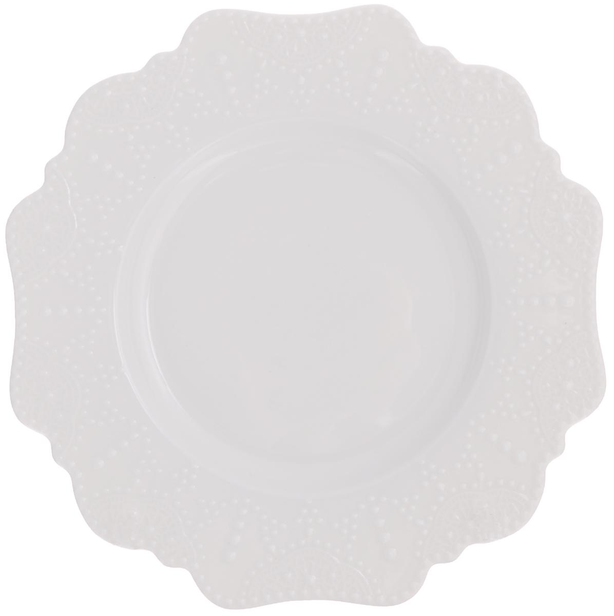 Тарелка десертная Walmer Vivien, цвет: белый, диаметр 21 смW07230021Десертная тарелка Luminarc Vivien выполнена из высококачественного фарфора. Такая тарелка прекрасно подходит как для торжественных случаев, так и для повседневного использования. Идеальна для подачи десертов, пирожных, тортов и многого другого. Она прекрасно оформит стол и станет отличным дополнением к вашей коллекции кухонной посуды. Диаметр тарелки (по верхнему краю): 21 см.