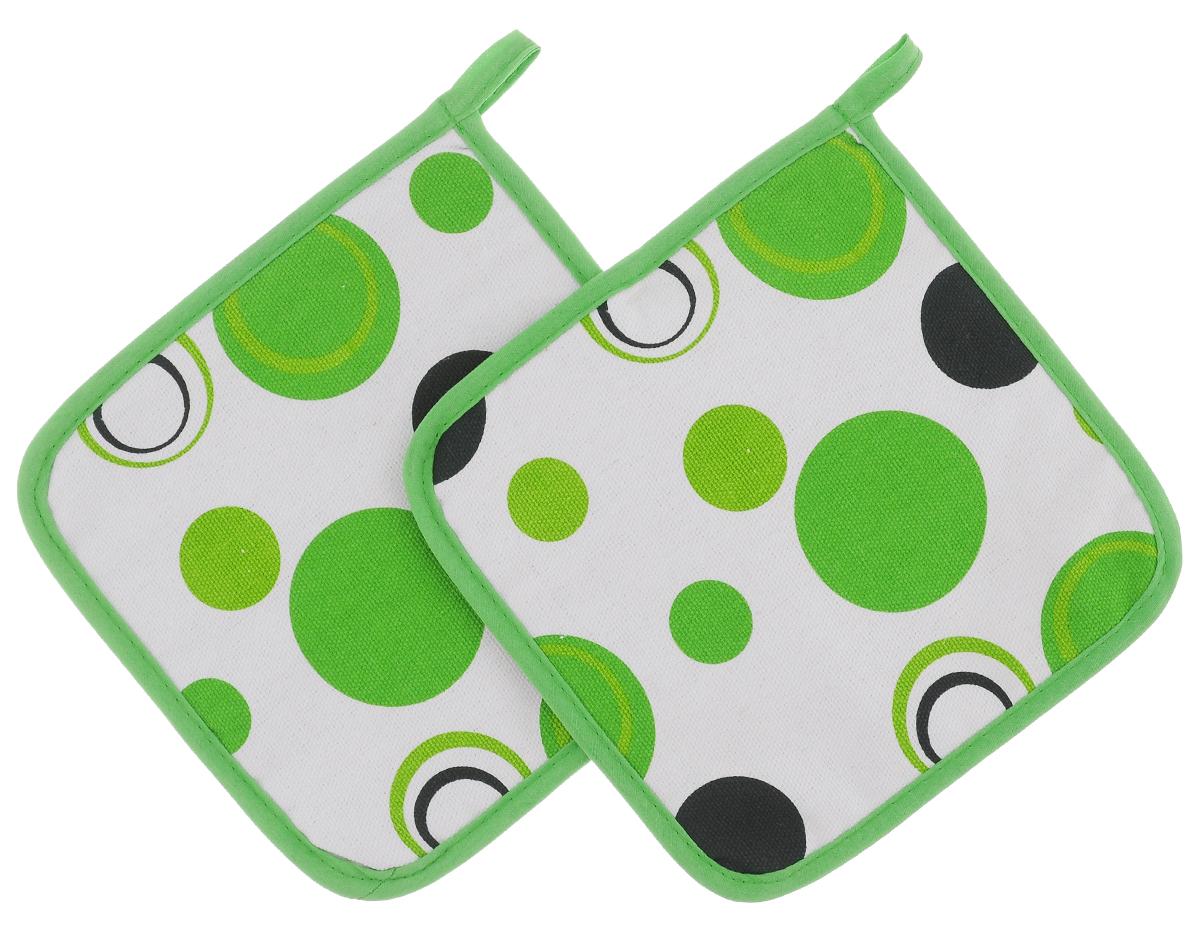 Прихватки Schaefer Кружки, цвет: белый, зеленый, 18 х 18 см, 2 шт07233-115_5Красочные прихватки Schaefer Кружки изготовлены из 100% хлопка. Изделия станут украшением любой кухни. С помощью специальной петельки прихватки можно вешать на крючок. Отличный вариант для практичной и современной хозяйки.