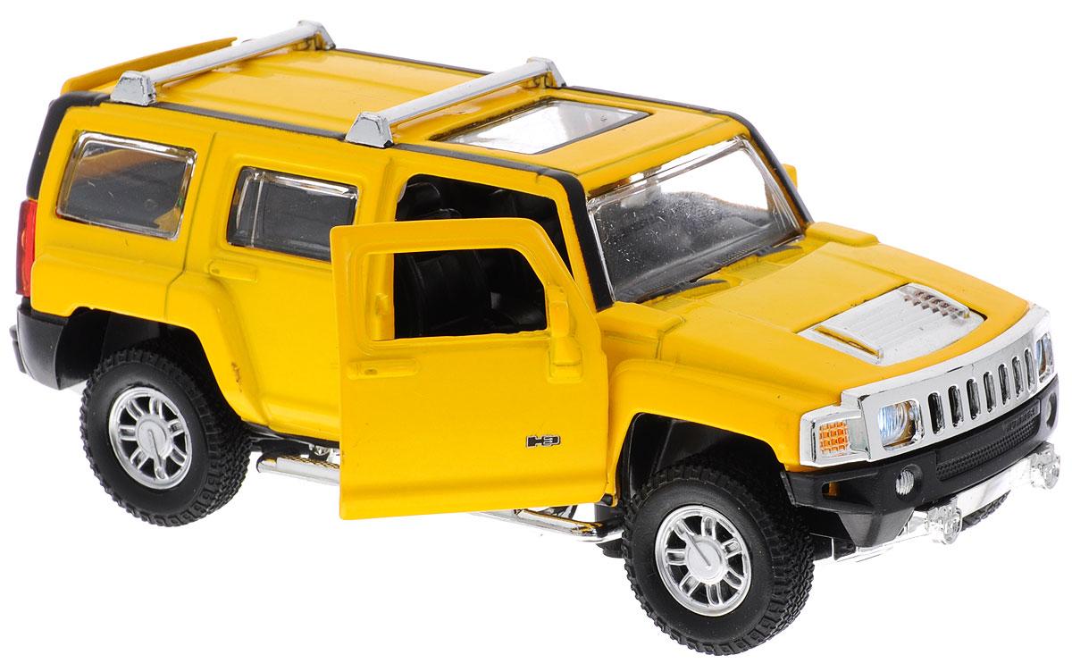 MSZ Модель автомобиля Hummer H3 цвет желтыйCP-68321-YМодель автомобиля MSZ Hummer H3 - это точная копия оригинальной машины в масштабе 1:32. Выполненная из высококачественного металла и пластика, она обязательно понравится не только ребенку, но и взрослому. Игрушечная модель оснащена металлическим корпусом и подвижными колесами. Передние двери машинки и багажник открываются, салон детализирован. Модель дополнена световыми и звуковыми эффектами. Игрушка оснащена инерционным ходом. Для того чтобы автомобиль поехал вперед, необходимо его отвести назад, а затем резко отпустить. Прорезиненные колеса обеспечивают надежное сцепление с любой поверхностью пола. Машинка является отличным подарком для юного гонщика. Во время игры с такой машинкой, у ребенка развивается мелкая моторика рук, фантазия и воображение. Рекомендуется докупить 3 батарейки типа AG13 (товар комплектуется демонстрационными).