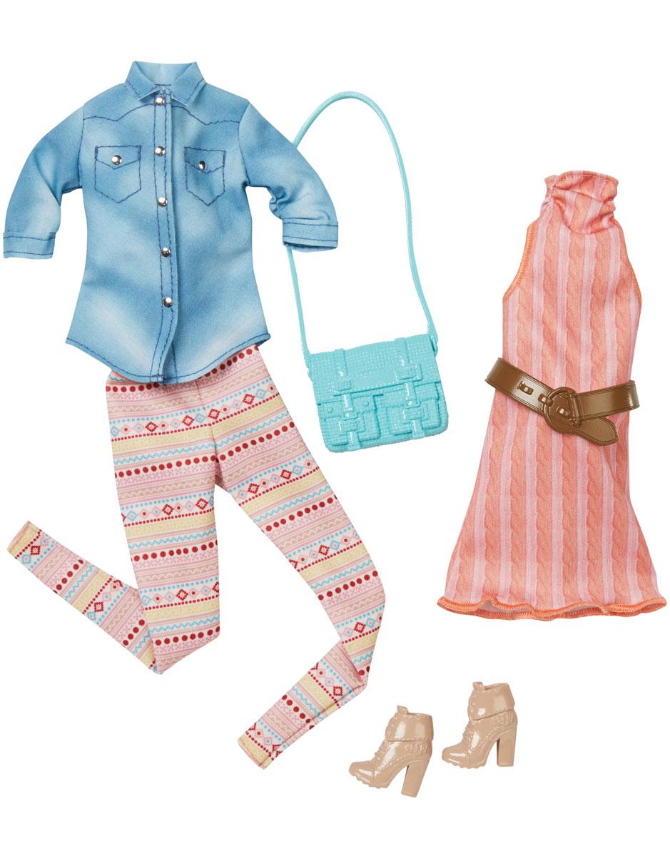 Barbie Набор одежды для кукол CFY06_DMF55CFY06_DMF55Каждый день новый очаровательный наряд - это возможно с набором модной одежды для кукол Барби. Два модных наряда в одной упаковке - это двойное удовольствие! Летнее платье с воротником-стойкой и открытыми плечами - лучший наряд для прогулок с подружками или шопинга. Второй комплект состоит из стильных ярких брючек и светло-синей рубашки. Набор включает в себя удобные полусапожки на каблуках, голубую практичную сумку и коричневый ремень. Комбинируйте эти комплекты с другими нарядами, чтобы расширить гардероб своих модниц. В процессе игры любая девочка с удовольствием будет наряжать куклу в новую одежду. Если собрать всю коллекцию одежды для куклы Барби, то можно будет подобрать наряды для самых разных сюжетов! Одежда подходит для большинства кукол Барби. Куклы продаются отдельно.
