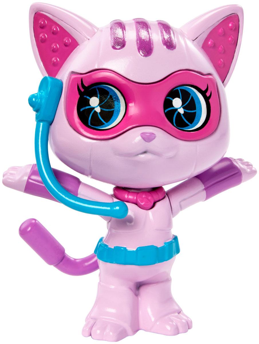 Barbie Фигурка Питомец секретных агентов КошкаDHF12_DHF14Фигурка Barbie Питомец секретных агентов. Кошка обязательно привлечет внимание юных любительниц Barbie. Питомцы-роботы готовы помочь в трудную минуту! В фильме Barbie Spy Squad гимнастку мирового класса Барби берут в секретные агенты вместе с подругами Терезой и Рене, и отважная троица объезжает весь мир в погоне за известной взломщицей. Им помогают в этом любимые роботы-питомцы. Выберите любого: колоритного пса, кота, сову или кролика. Каждый готов к подвигам, а помогут им в этом шпионские очки или шлем!